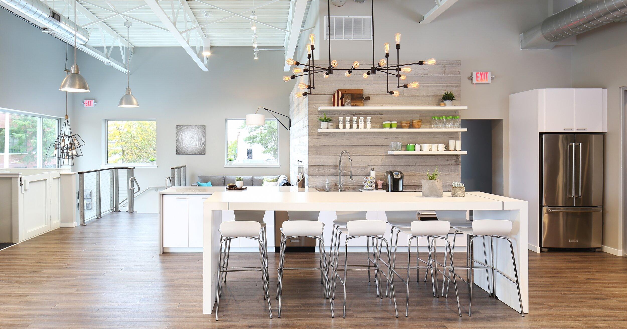 tesano-community-table-white-laminate-green-giftz_lg.jpg