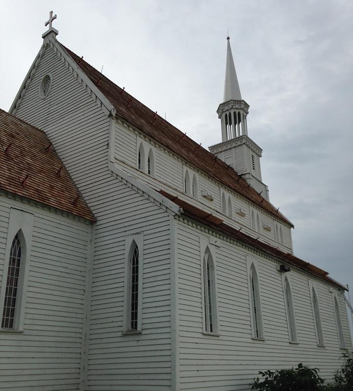 Taking into account the architecture, history and fragility of the Holy Trinity Anglican Church, Advantage GRP worked closely with the Ministry of Park, Culture & Sports to restore the building. This included flooring and foundation work in September 2014 and window restoration in April 2015. -