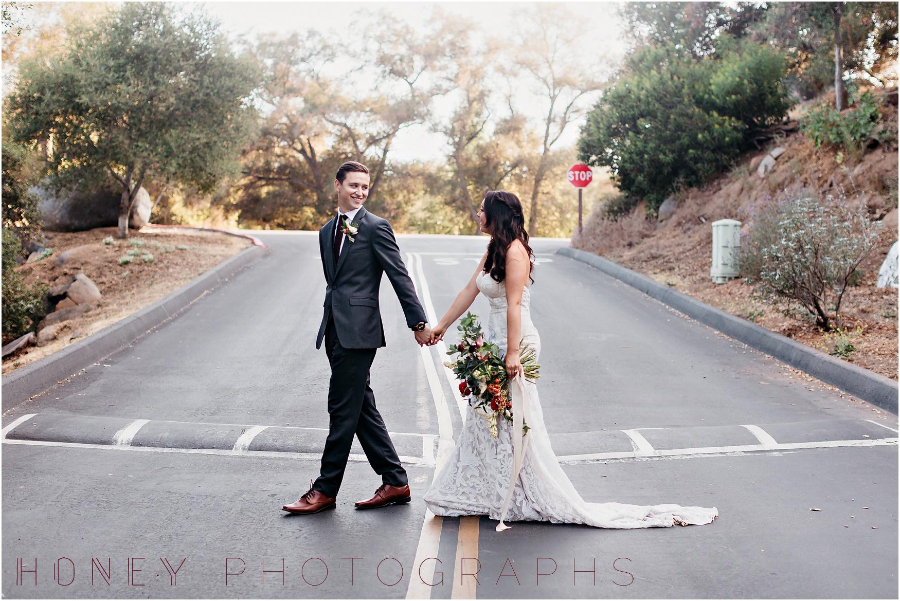 picnic-wedding-rustic-sweetheart-table-felicita-park-boho18.jpg