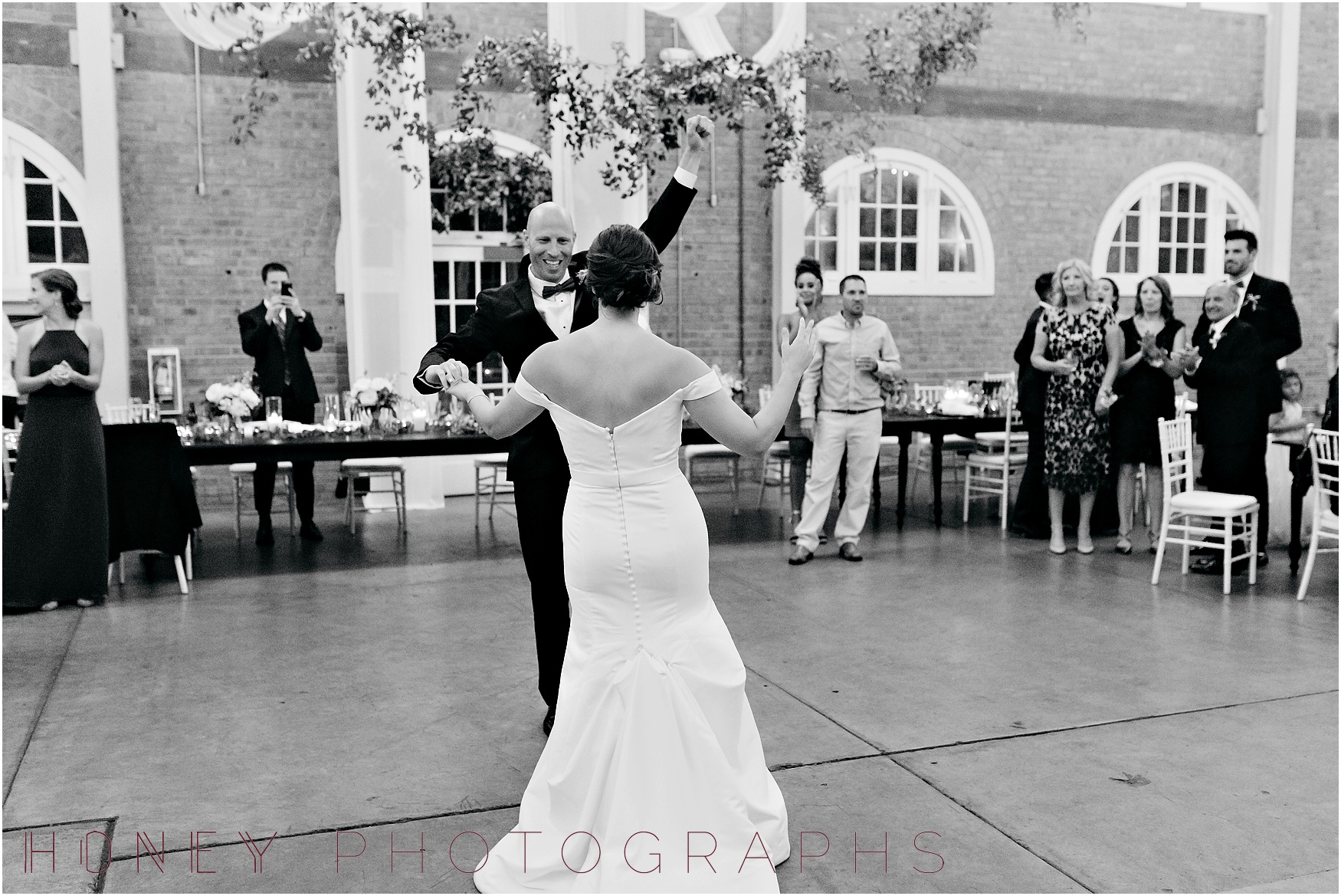 brick_warehouse_liberty_station_urban_classic_wedding055.jpg