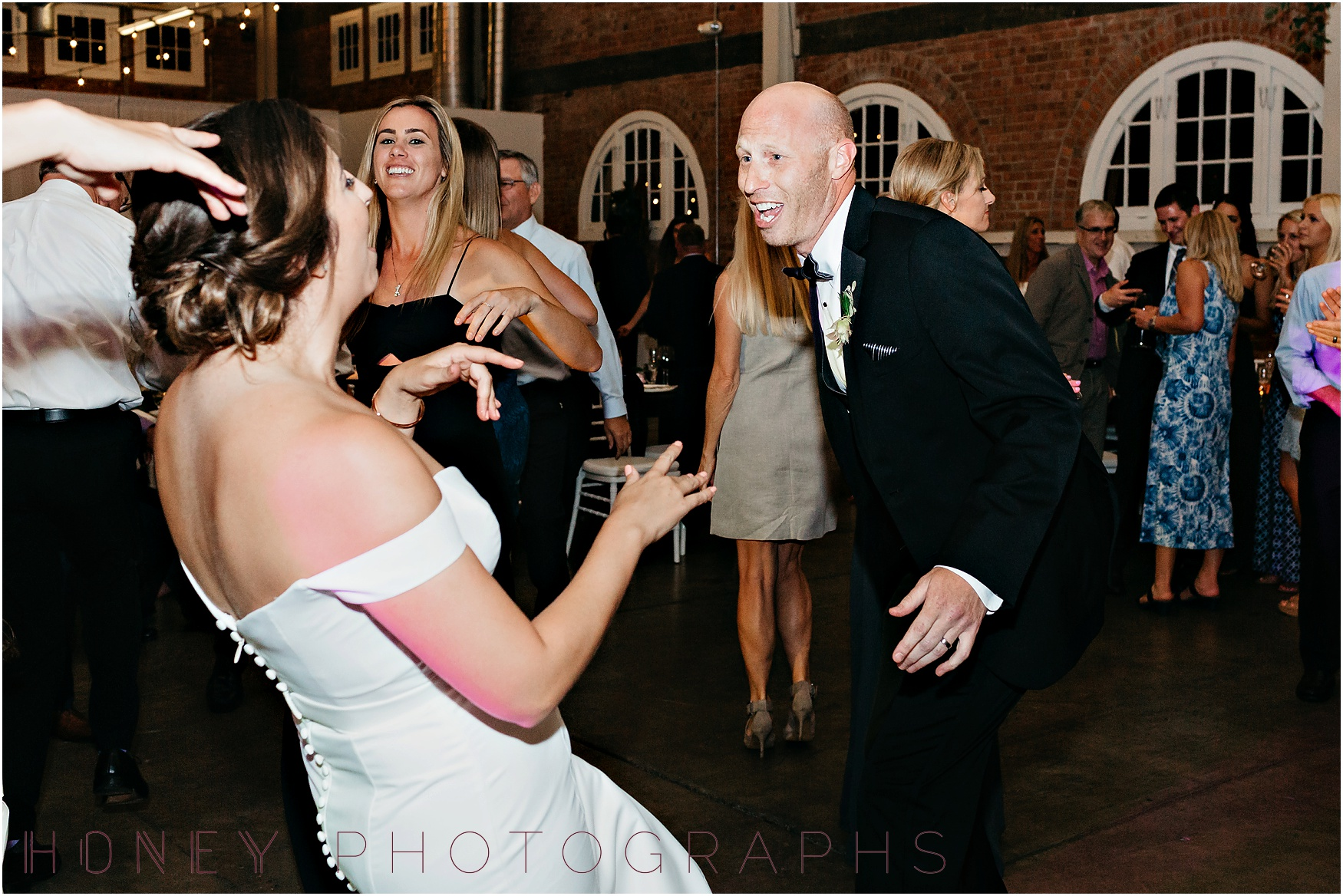 brick_warehouse_liberty_station_urban_classic_wedding060.jpg