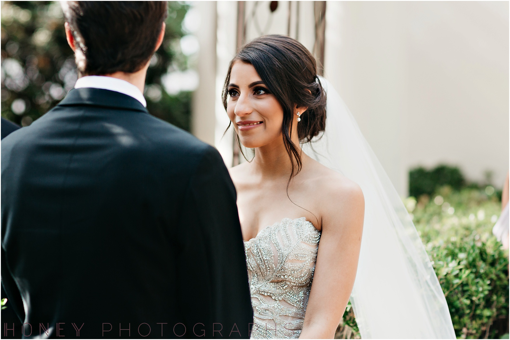 la_jolla_timeless_classic_elegant_cliffs_beach_black_tie_wedding030.jpg