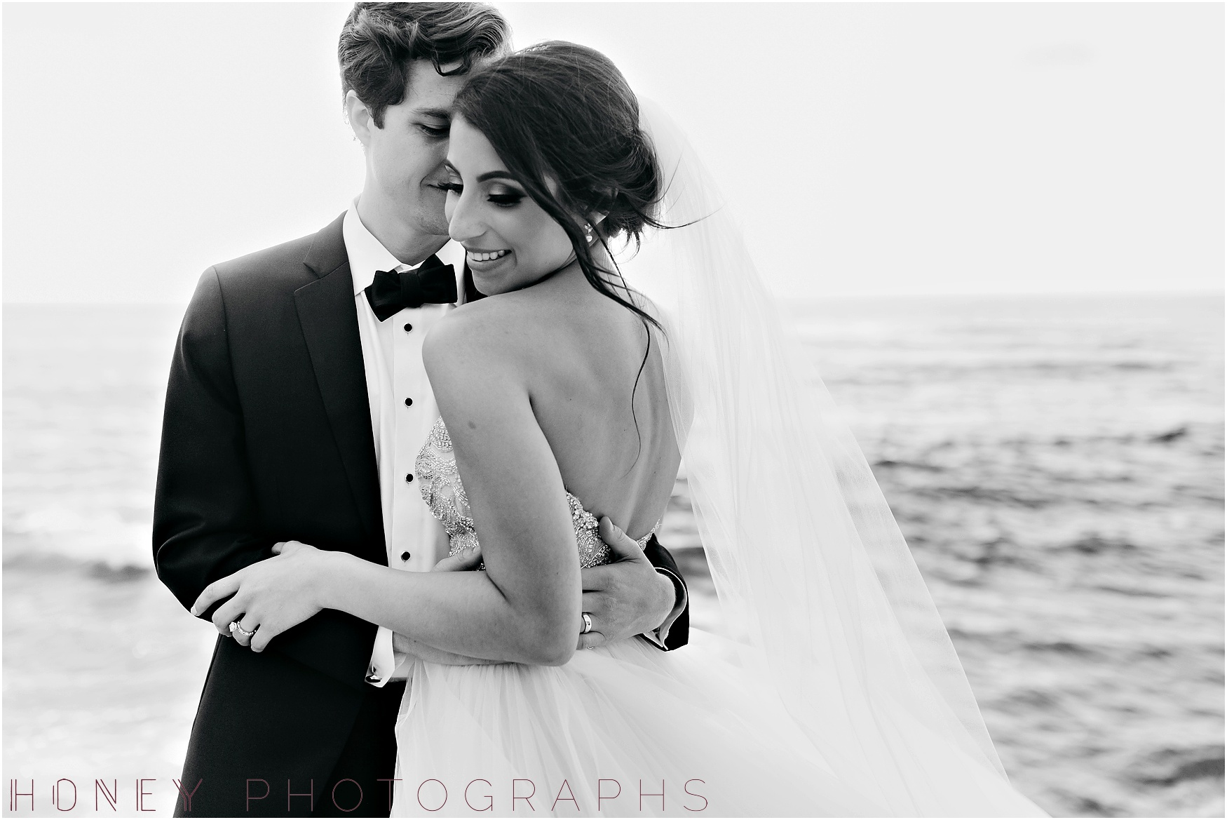 la_jolla_timeless_classic_elegant_cliffs_beach_black_tie_wedding038.jpg