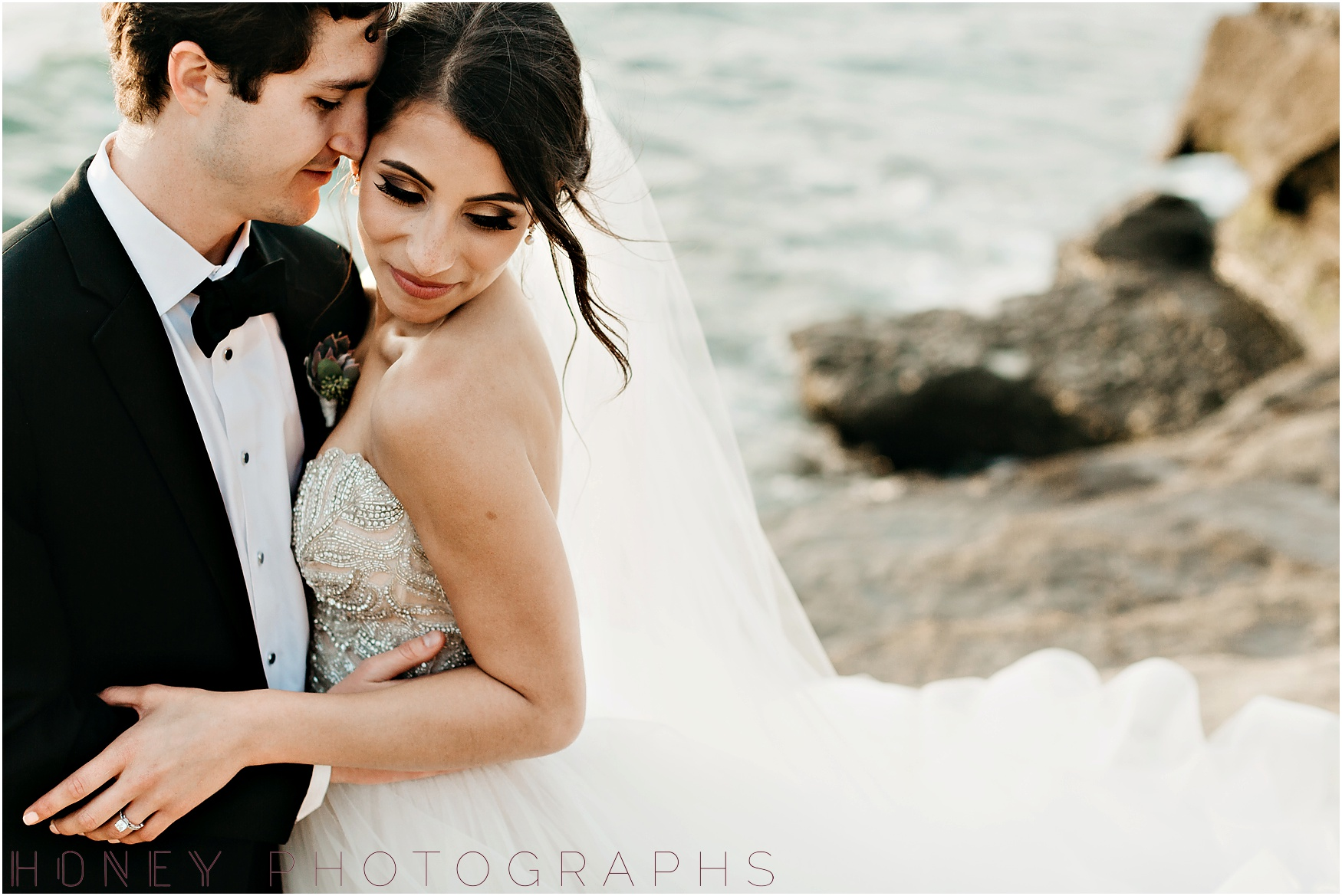 la_jolla_timeless_classic_elegant_cliffs_beach_black_tie_wedding040.jpg