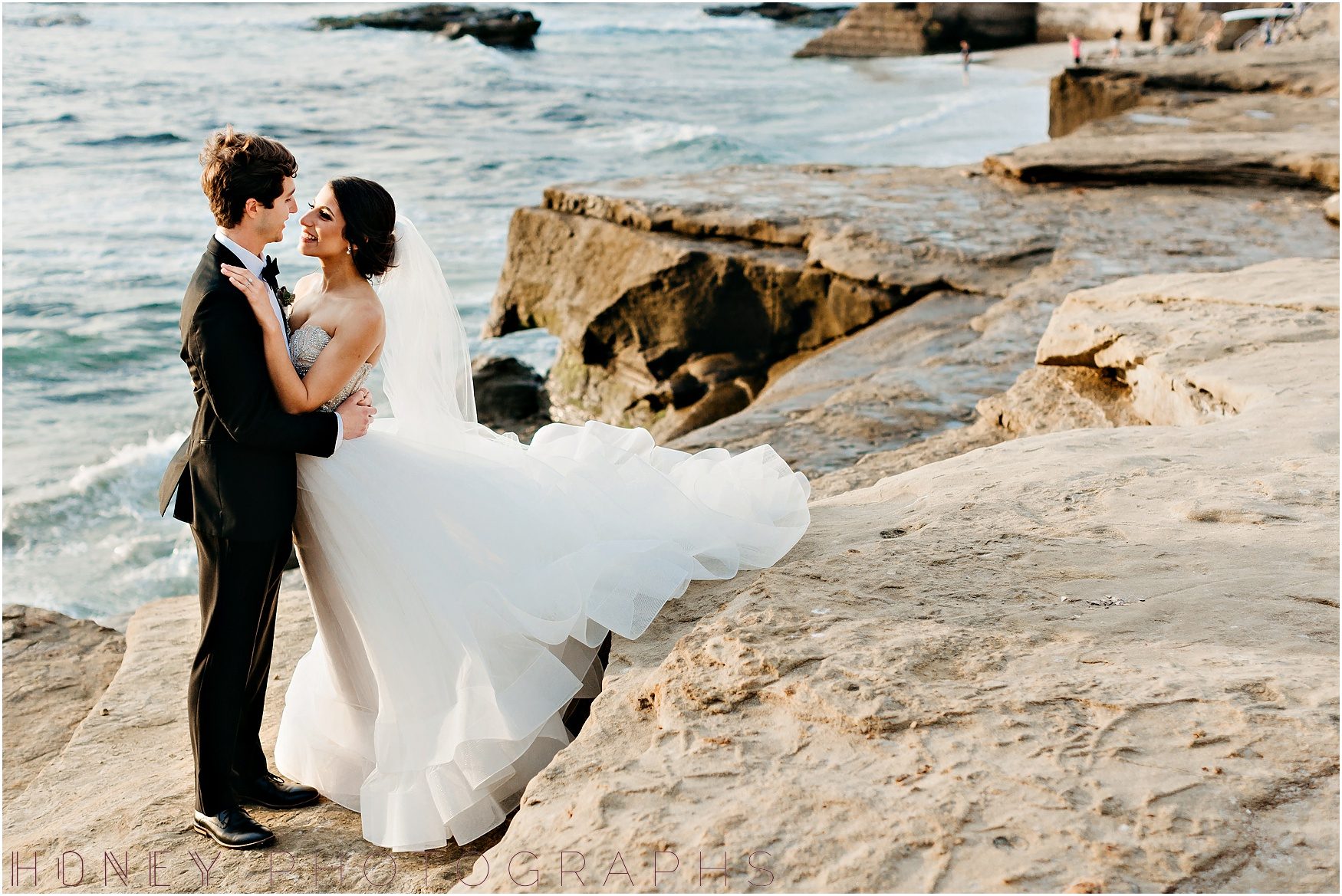 la_jolla_timeless_classic_elegant_cliffs_beach_black_tie_wedding042.jpg