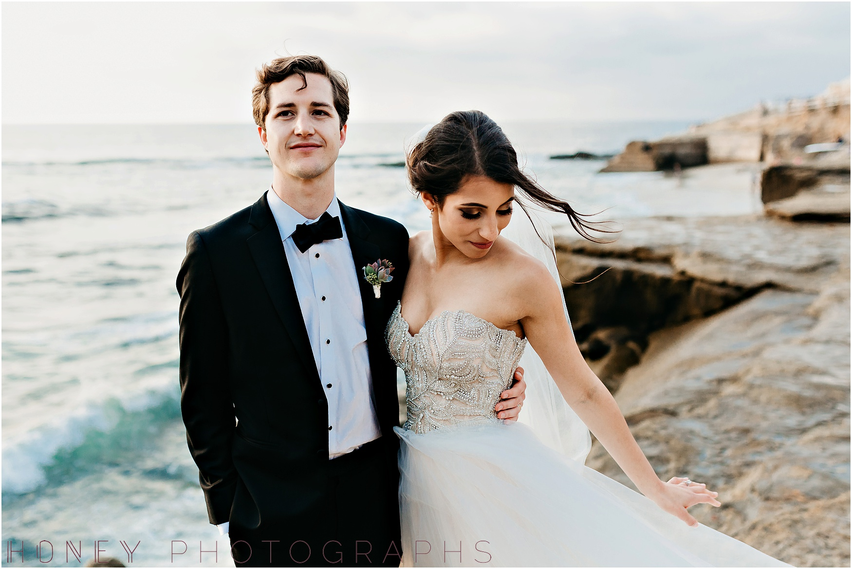 la_jolla_timeless_classic_elegant_cliffs_beach_black_tie_wedding043.jpg