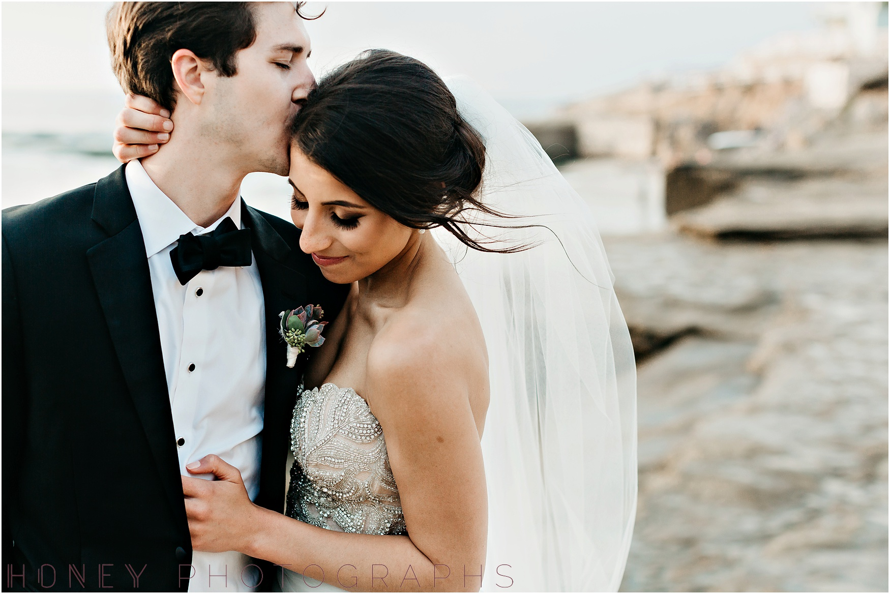 la_jolla_timeless_classic_elegant_cliffs_beach_black_tie_wedding044.jpg