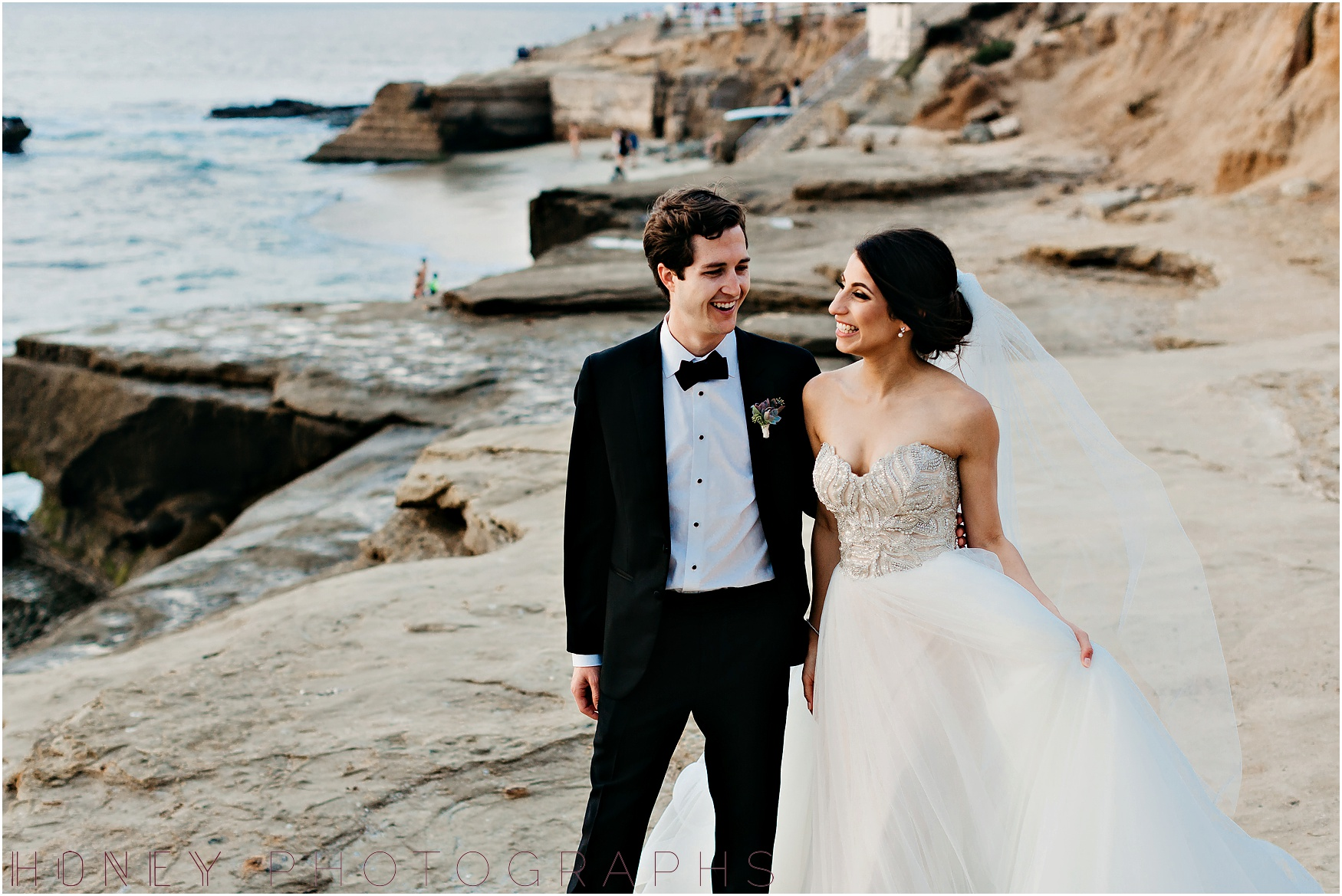 la_jolla_timeless_classic_elegant_cliffs_beach_black_tie_wedding047.jpg