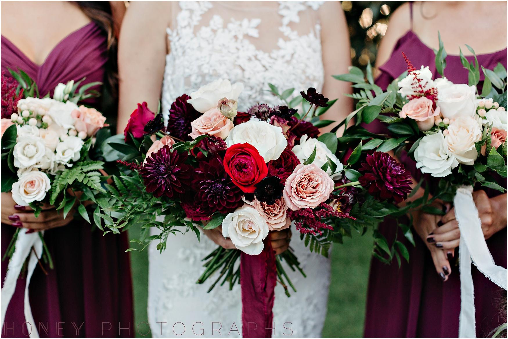 twin_oaks_garden_estate_fall_winter_burgundy_wedding009.jpg