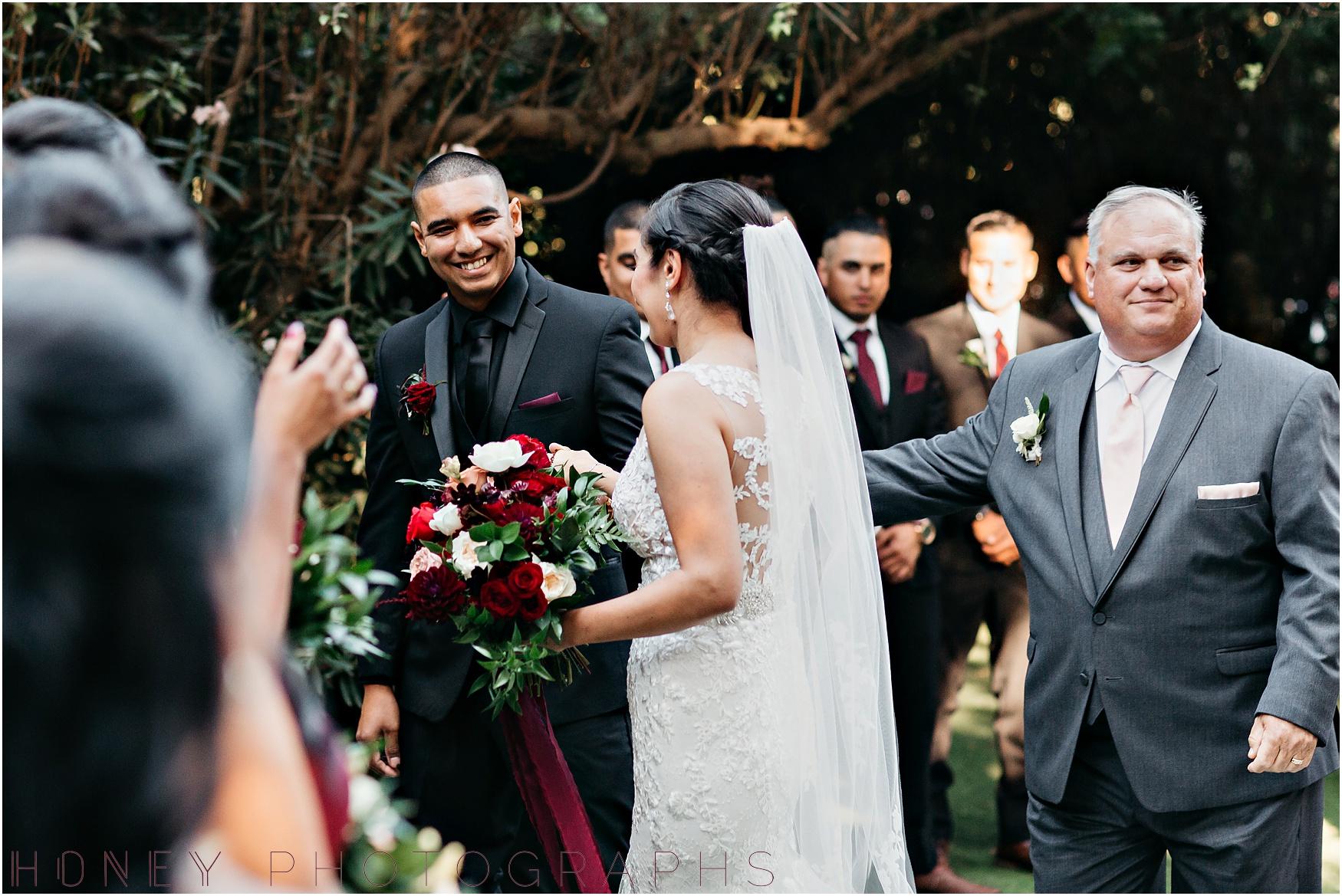 twin_oaks_garden_estate_fall_winter_burgundy_wedding018.jpg