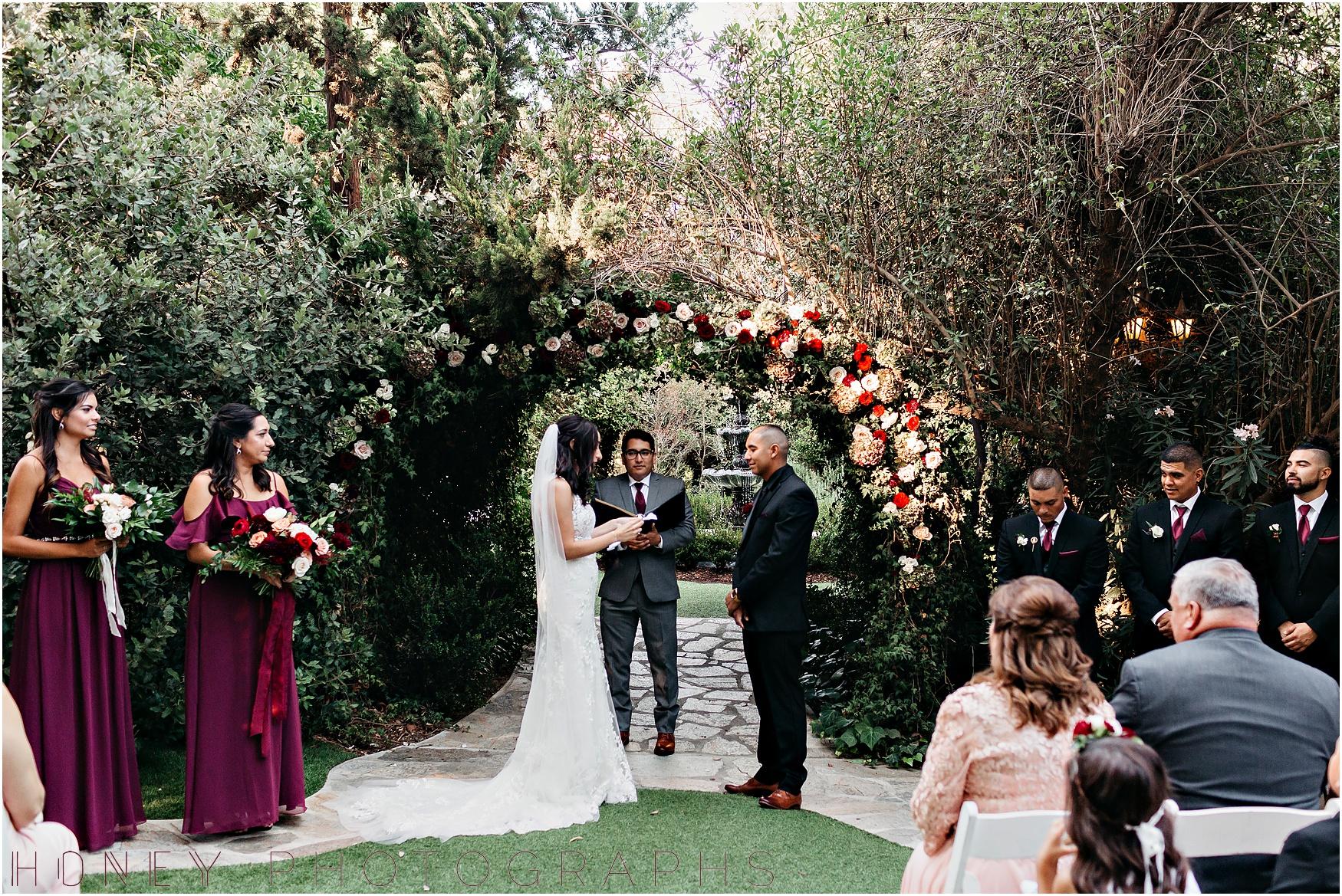 twin_oaks_garden_estate_fall_winter_burgundy_wedding019.jpg