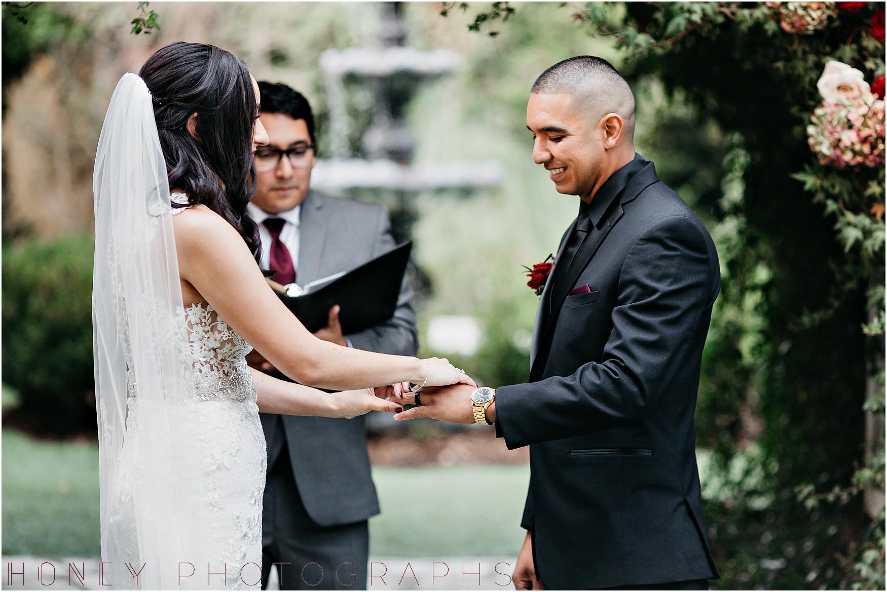 twin_oaks_garden_estate_fall_winter_burgundy_wedding024.jpg