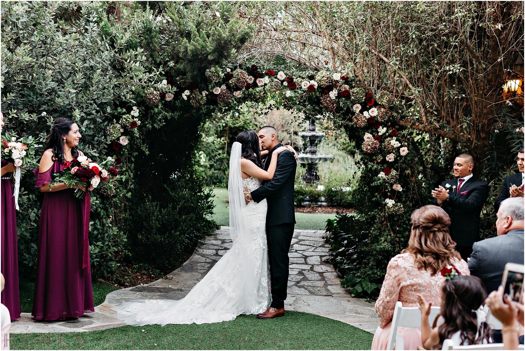 twin_oaks_garden_estate_fall_winter_burgundy_wedding025.jpg
