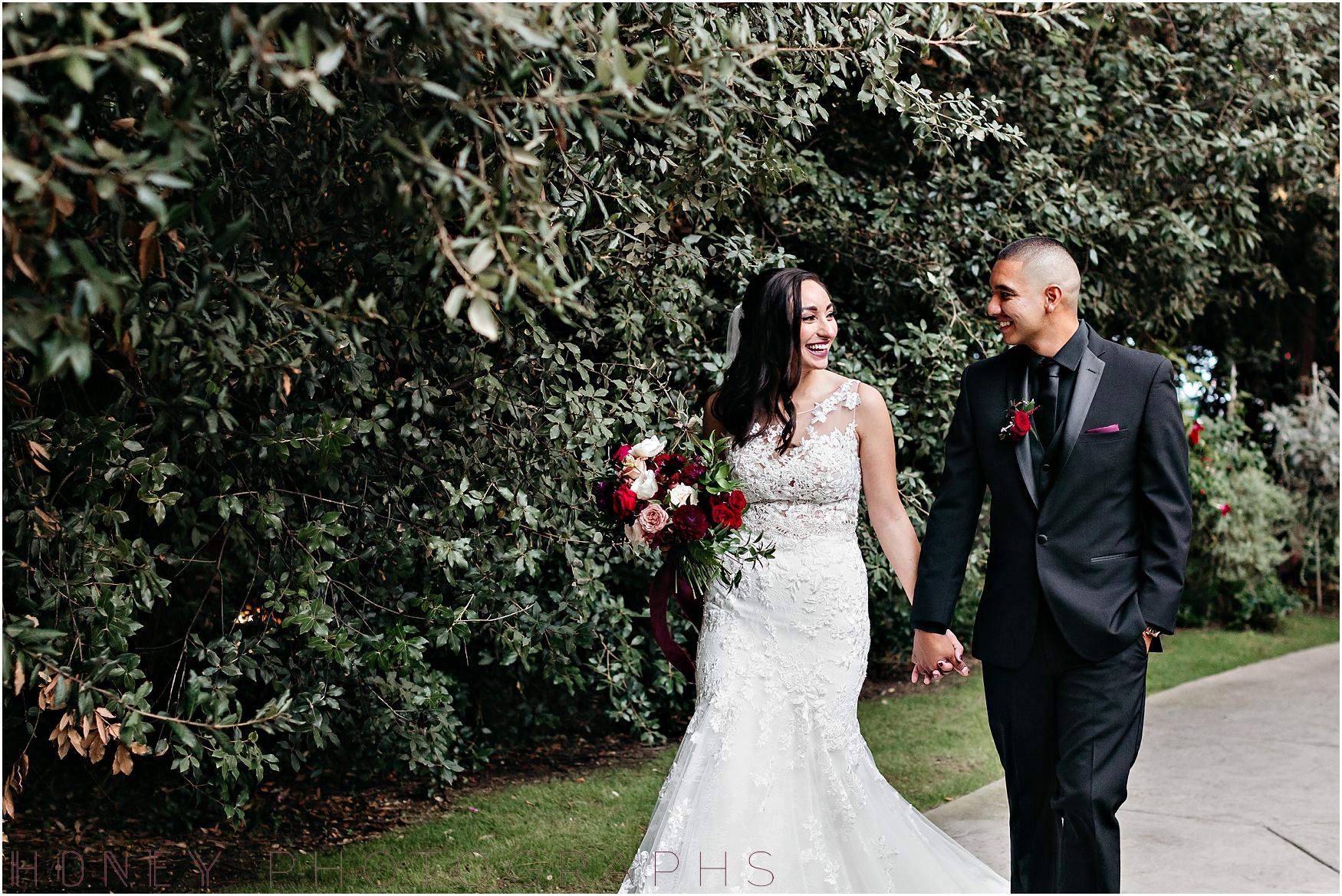 twin_oaks_garden_estate_fall_winter_burgundy_wedding036.jpg