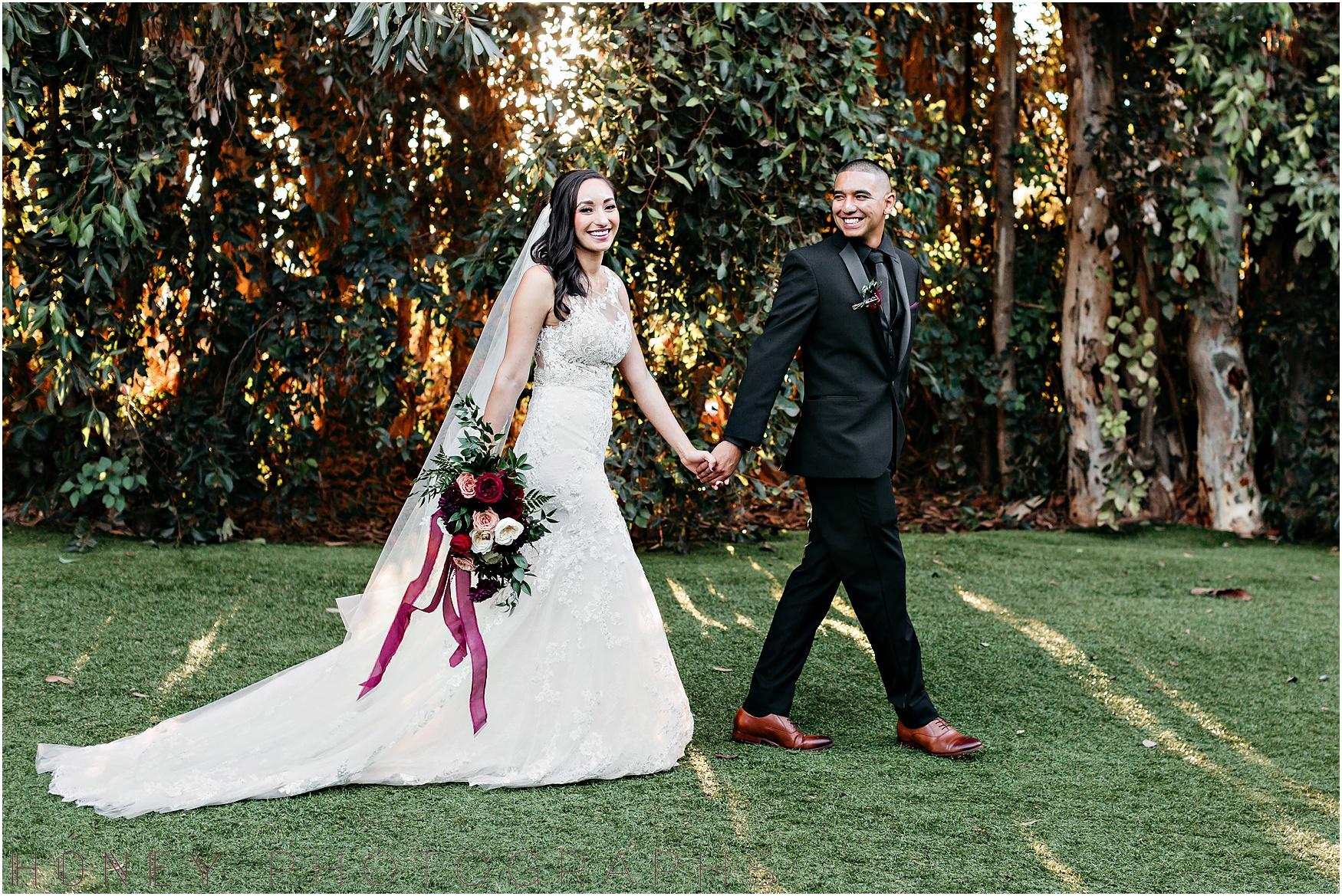 twin_oaks_garden_estate_fall_winter_burgundy_wedding042.jpg