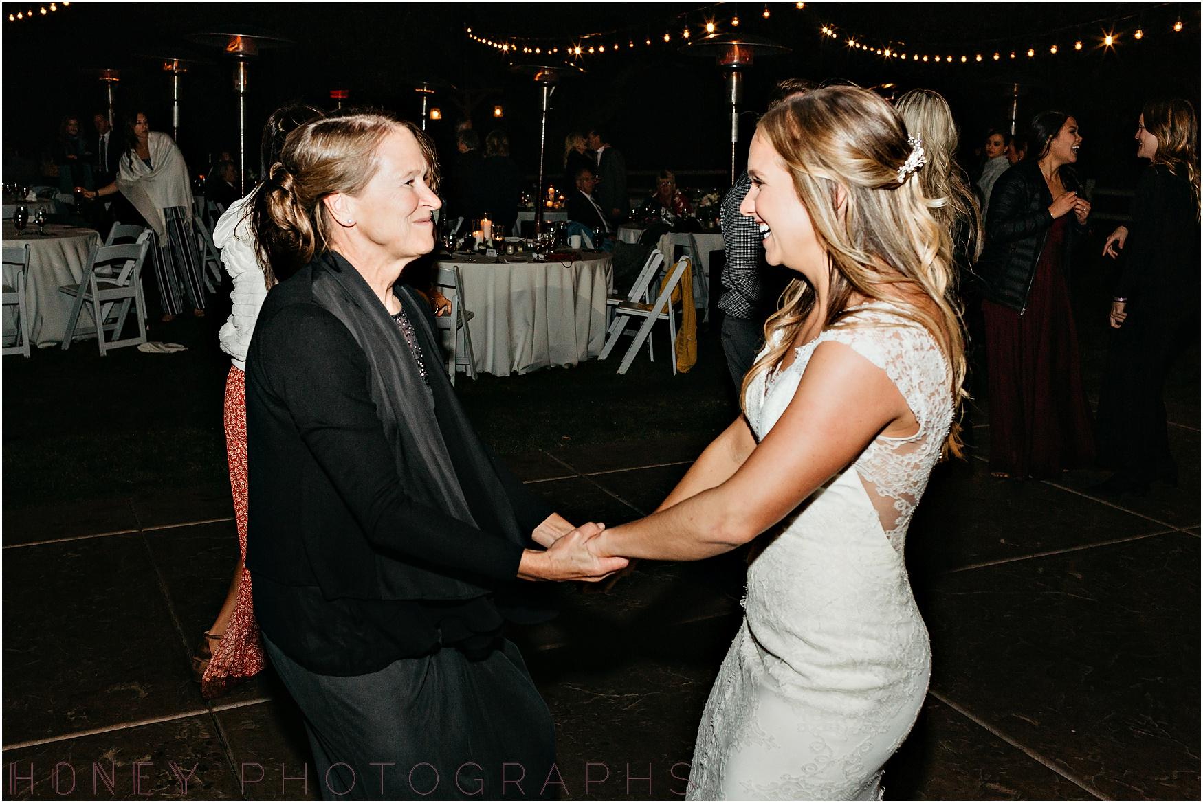 temecula+creek_inn_winter_rustic_wedding063.jpg