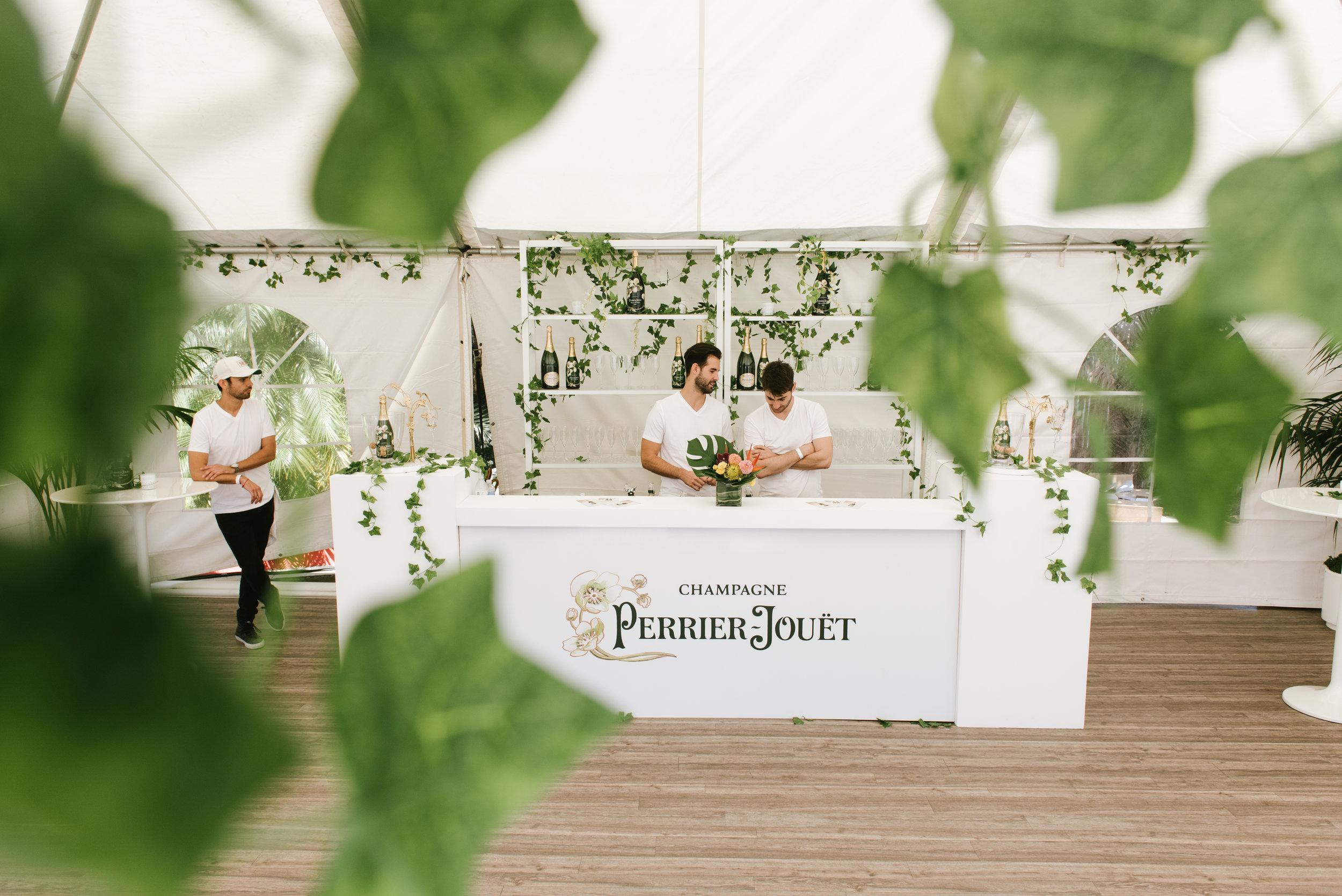 Pernod Ricard_Perrier Jouet_Cole Beal-19.jpg