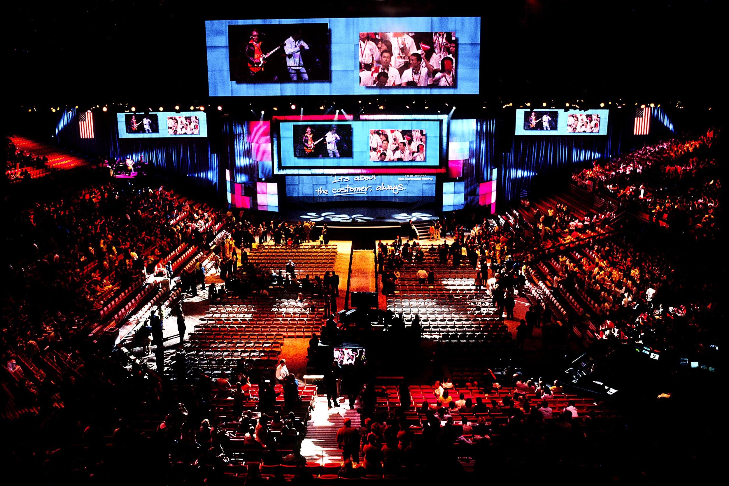 WAL*MART -overview arena shot.jpg
