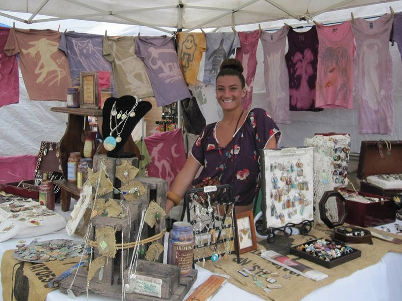 Tons of shopping by local artists, crafters, gourmet foods and other vendors