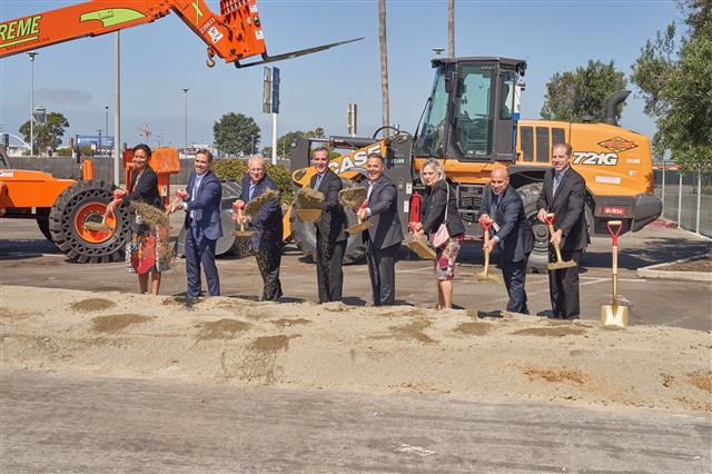 From left: LAWA Chief Executive Officer Deborah Flint, Los Angeles Board of Airport Commissioners (BOAC) President Sean Burton, Los Angeles City Councilmember Mike Bonin (District 11), Los Angeles Mayor Eric Garcetti, Los Angeles City Councilmember Joe Buscaino (District 15), BOAC Vice President Valeria Velasco, BOAC Commissioner Gabriel Eshaghian and Swinerton Builders Senior Vice President Dave Callis participate in today's groundbreaking of LAX's Intermodal Transportation Facility-West.