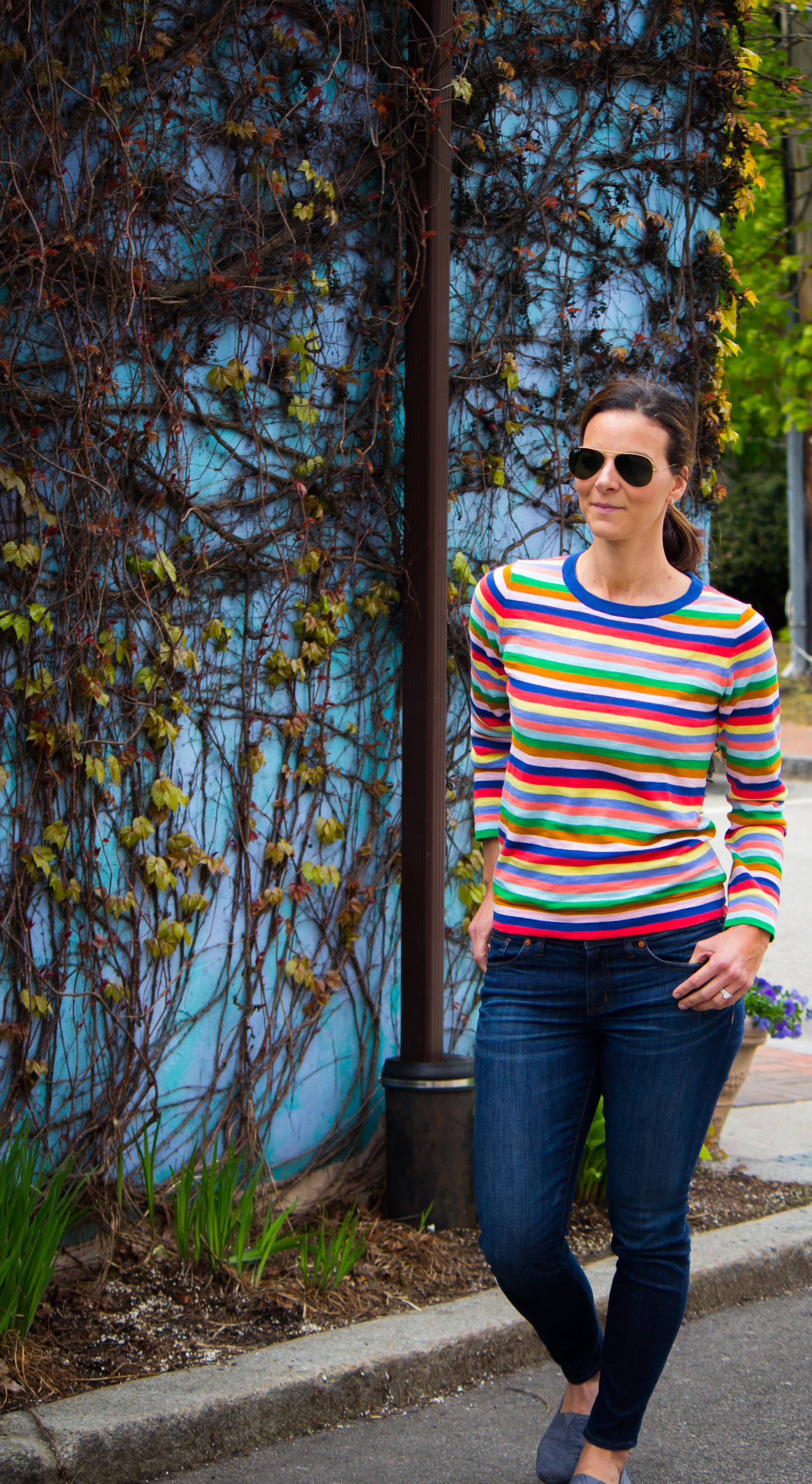 Multi-striped sweater – Casual Friday Outfits – Spring Outfits- Casual Outfits – Women's Fashion –  www.heartandseam.com  - #heartandseam