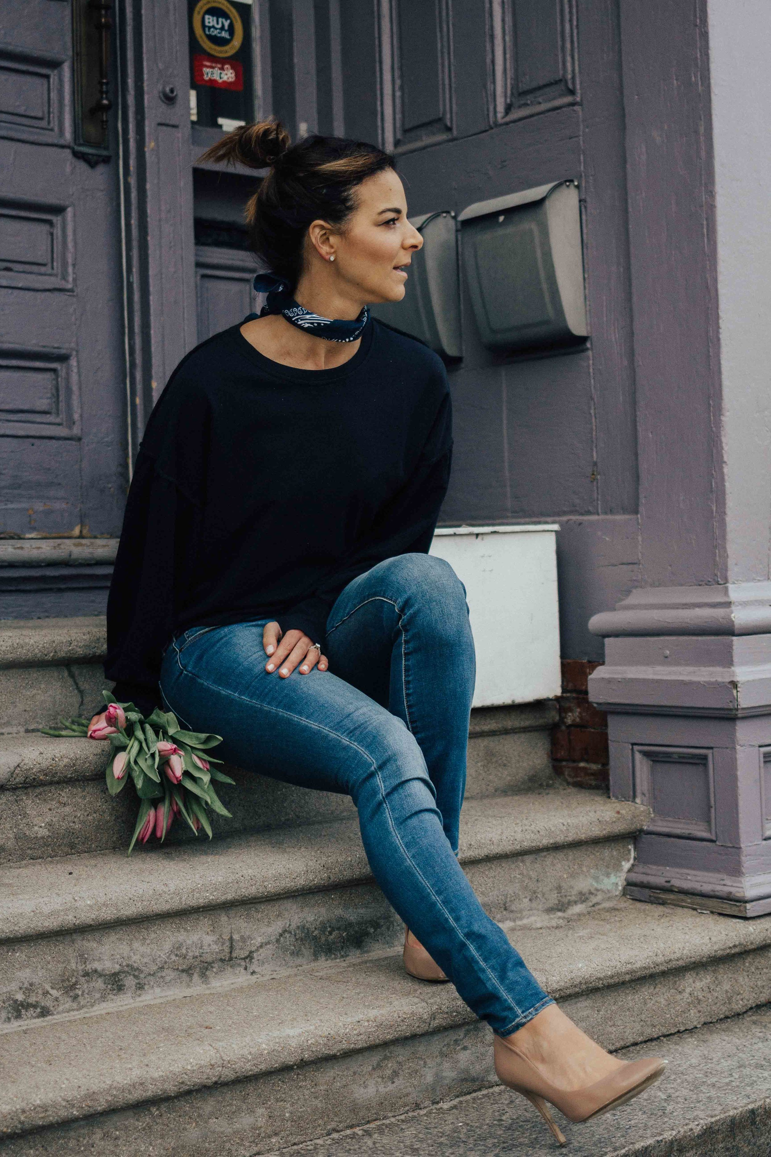 Simple Tips for Staying Positive - CasualSimple Tips for Staying Positive - Casual Friday Outfits – Weekend Outfits - Fashion for Women – heartandseam.com  - #heartandseam #casualoutfits #positivity #staypositive
