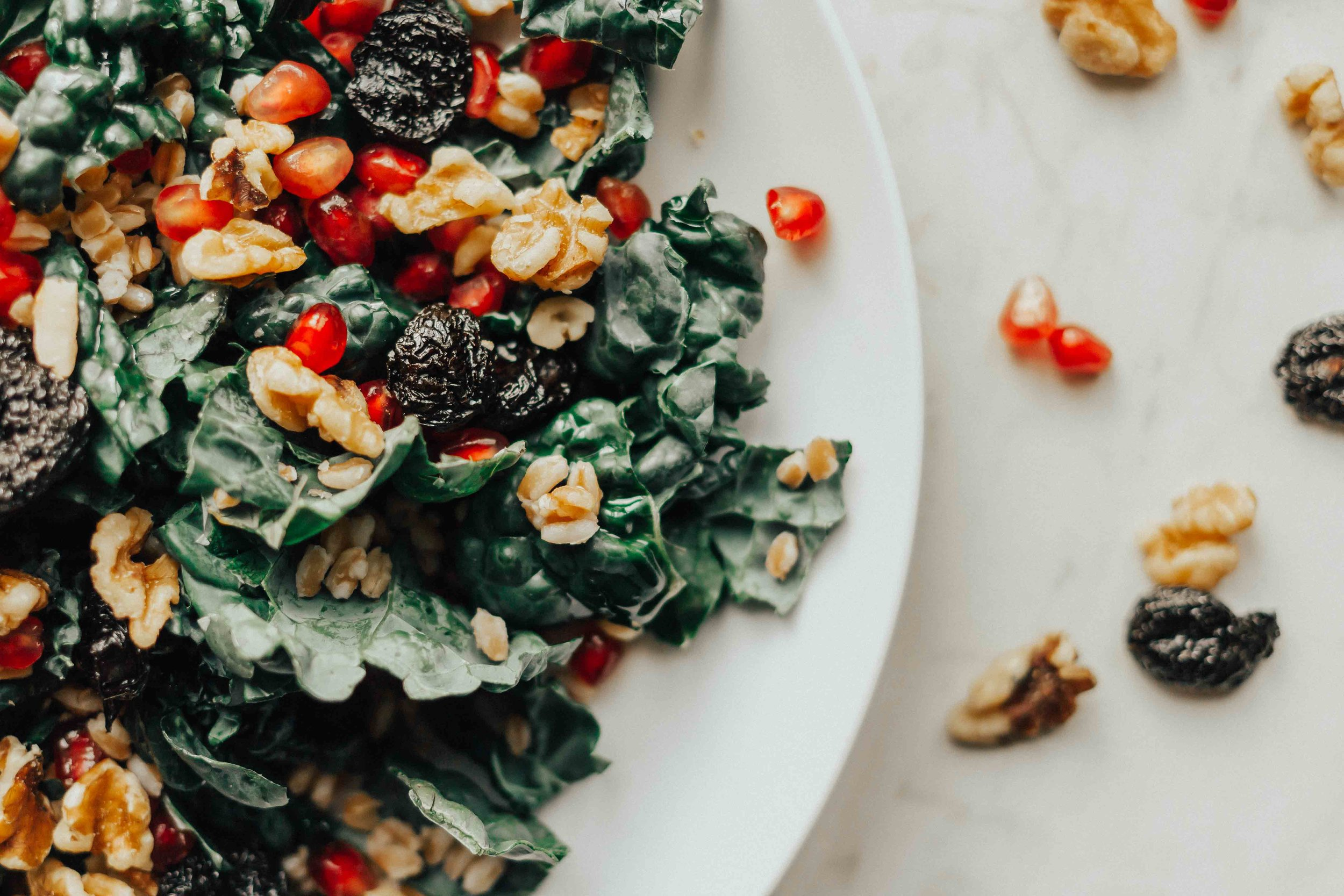 Recipes - Kale Salad - Farro Salad- Vegan Recipes - Dinner Recipes - Kale Salad Recipes -Kale Salad Recipes Easy - Kale Salad Recipes Healthy #heartandseam #kalesalad  www.heartandseam.com
