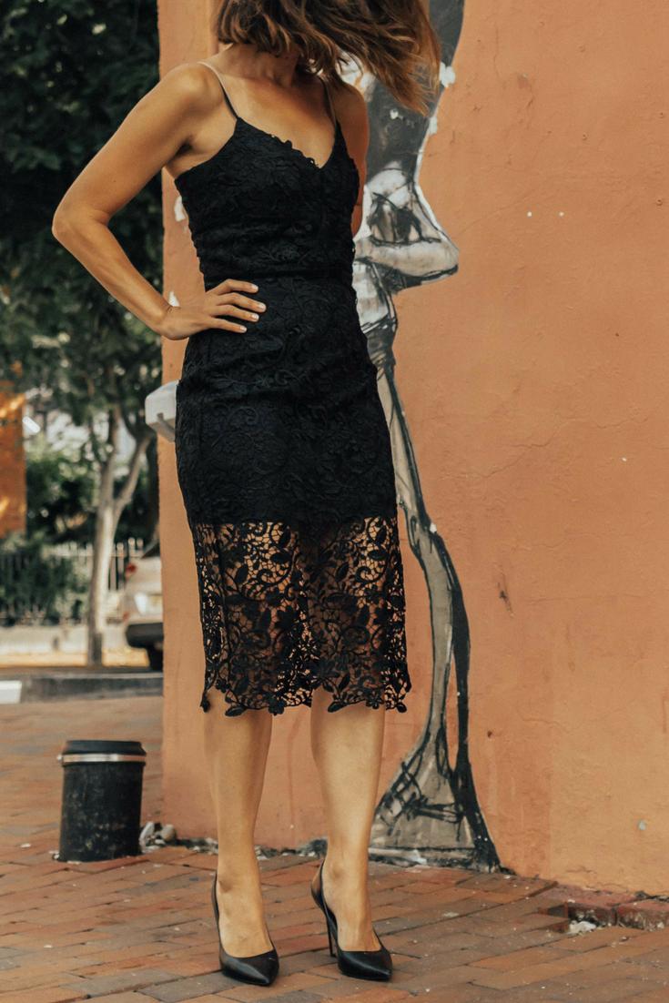 Lace Sheath Dress – Lace Sheath Dress Outfit – Black Lace Sheath Dress Outfit – Lace Midi Dress – Black Lace Midi Dress Outfit – Wedding Guest Dress – Holiday Dress Outfit – Cocktail Party Dress -Holiday Dress Idea – Adelyn Rae Dresses - #heartandseam #sheathdress www.heartandseam.com