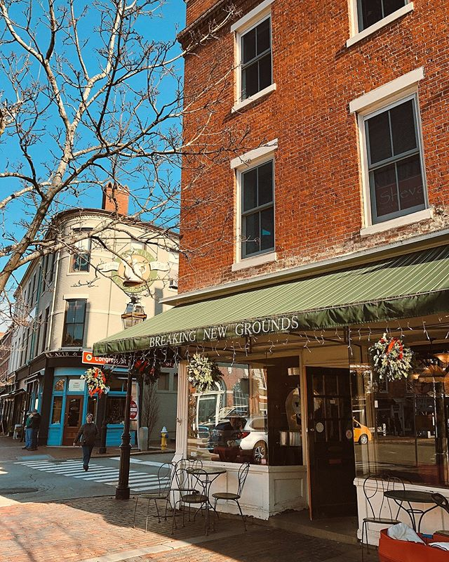 Sundays on the Seacoast. So incredibly sad to see this place go after 25+ years. Thank you for the memories @bngportsmouth you will be missed. ❤️☕️