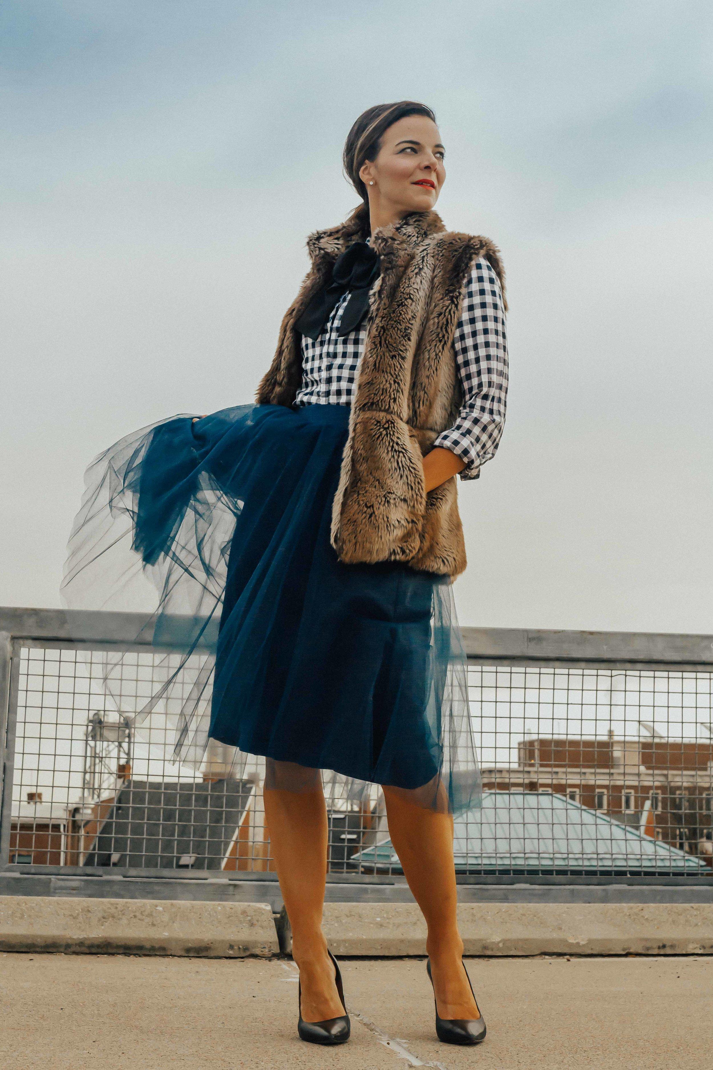 Blue Tulle Skirt Oufits – Tulle Skirt – Tulle Skirt Oufit – Gingham Shirt and Tulle Skirt Outfits- Holiday Outfit Ideas for Women- Faux Fur Vest Outfits for Women – Gingham Shirt Outifts - Tulle Skirts – Bowtie Outfits for Women #tulleskirts #gingham #tulle #bowite #heartandseam  www.heartandseam.com