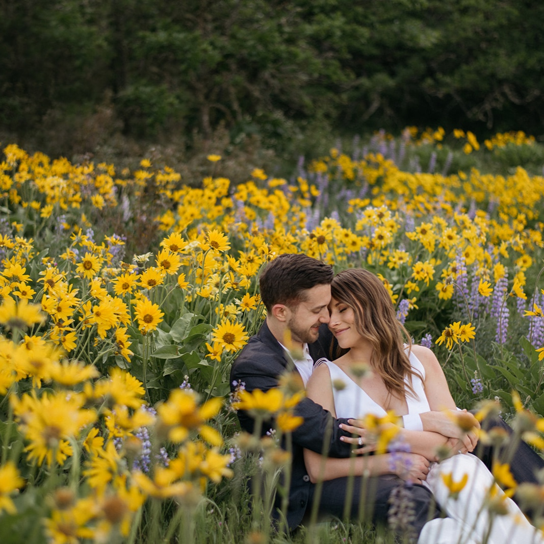 Rowena Crest Elopement in the Columbia River Gorge -