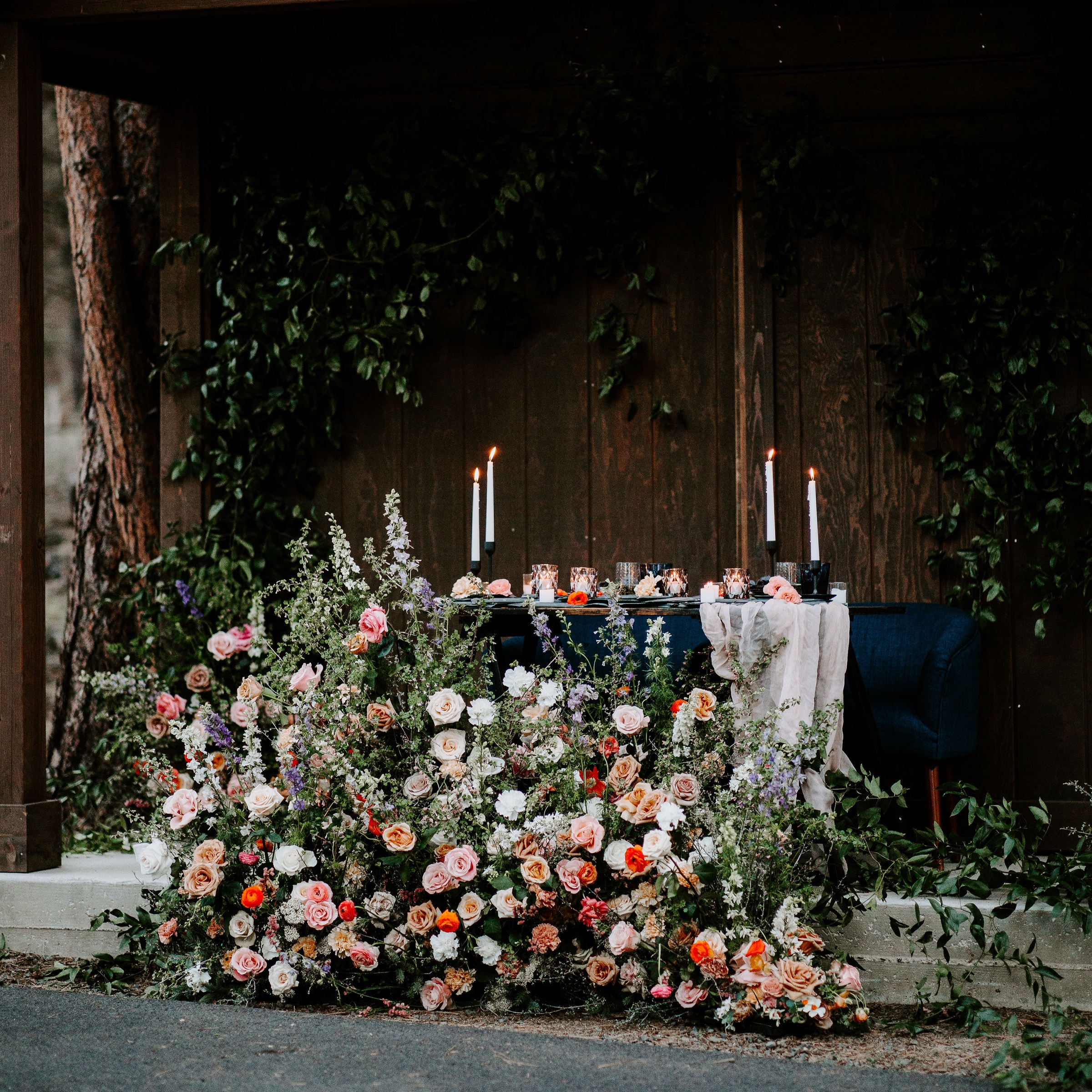 Modern Warm & Cool-Toned Elopement in Bend, OR -