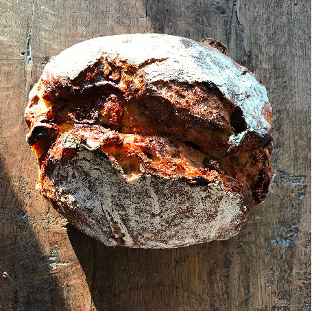 FIG & TOASTED WALNUT  Sweet dried figs with those nice little crunchies, with with toasted walnuts... this is one of our customer favorites. Stock up on a little goat cheese and honey, toast it up and there you go. A blend of hard red spring wheat and rye.
