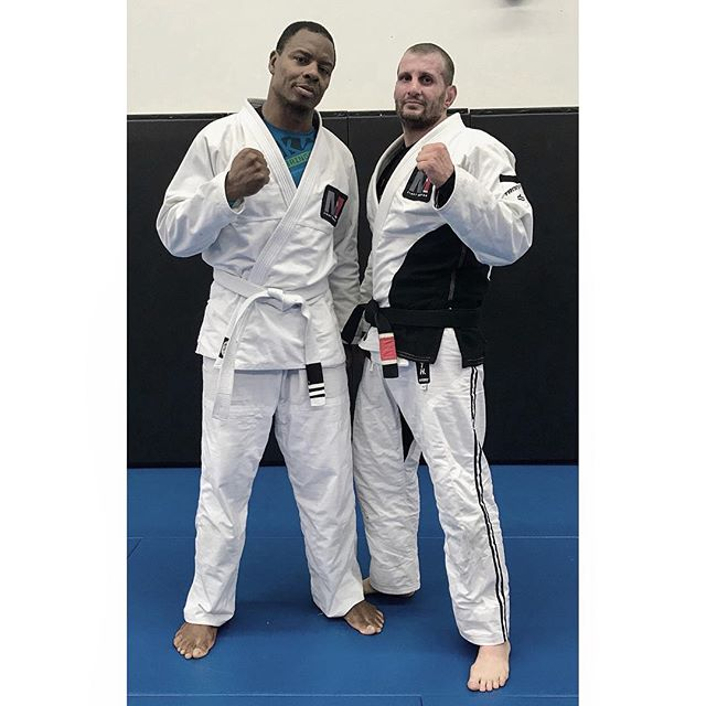 Shout out to this beast! @tommyeurope Congrats on your strips. But don't let his belt colour foul you. He hangs with those who have years of training on him. Always inspiring us, always willing to train, always growing, progressing, and showing us that age is truly nothing but a number. #whatsyourexcuse #bjj #brazilianjiujitsu #shootwrestling #catchwrestling
