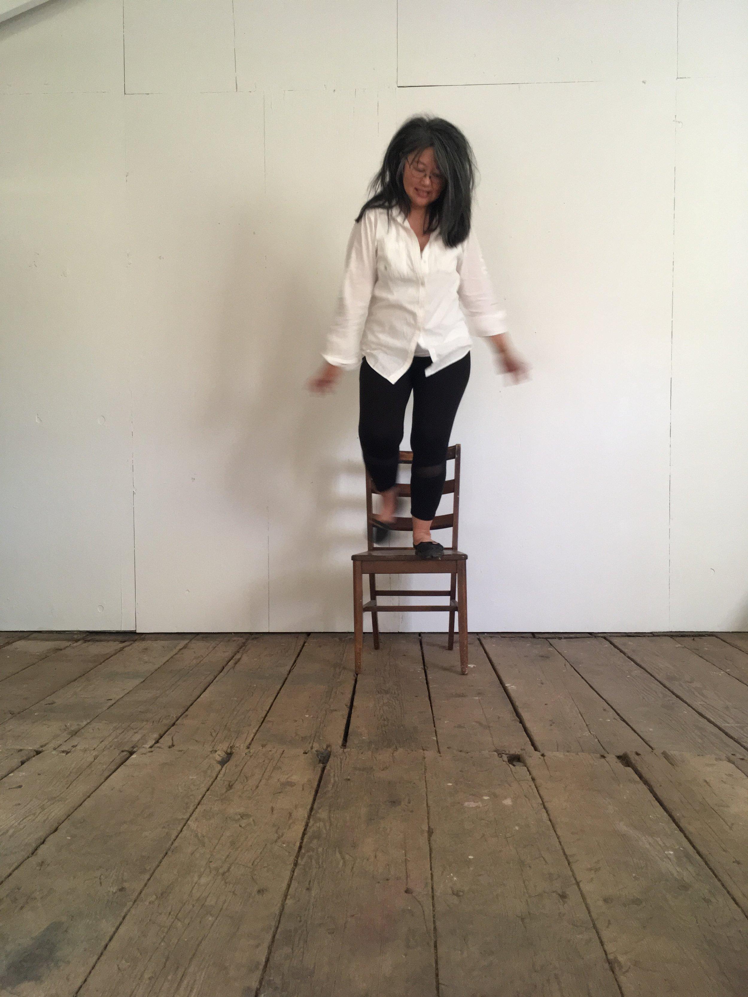 PHOTO chalk hill - studio - jumping 3.JPG