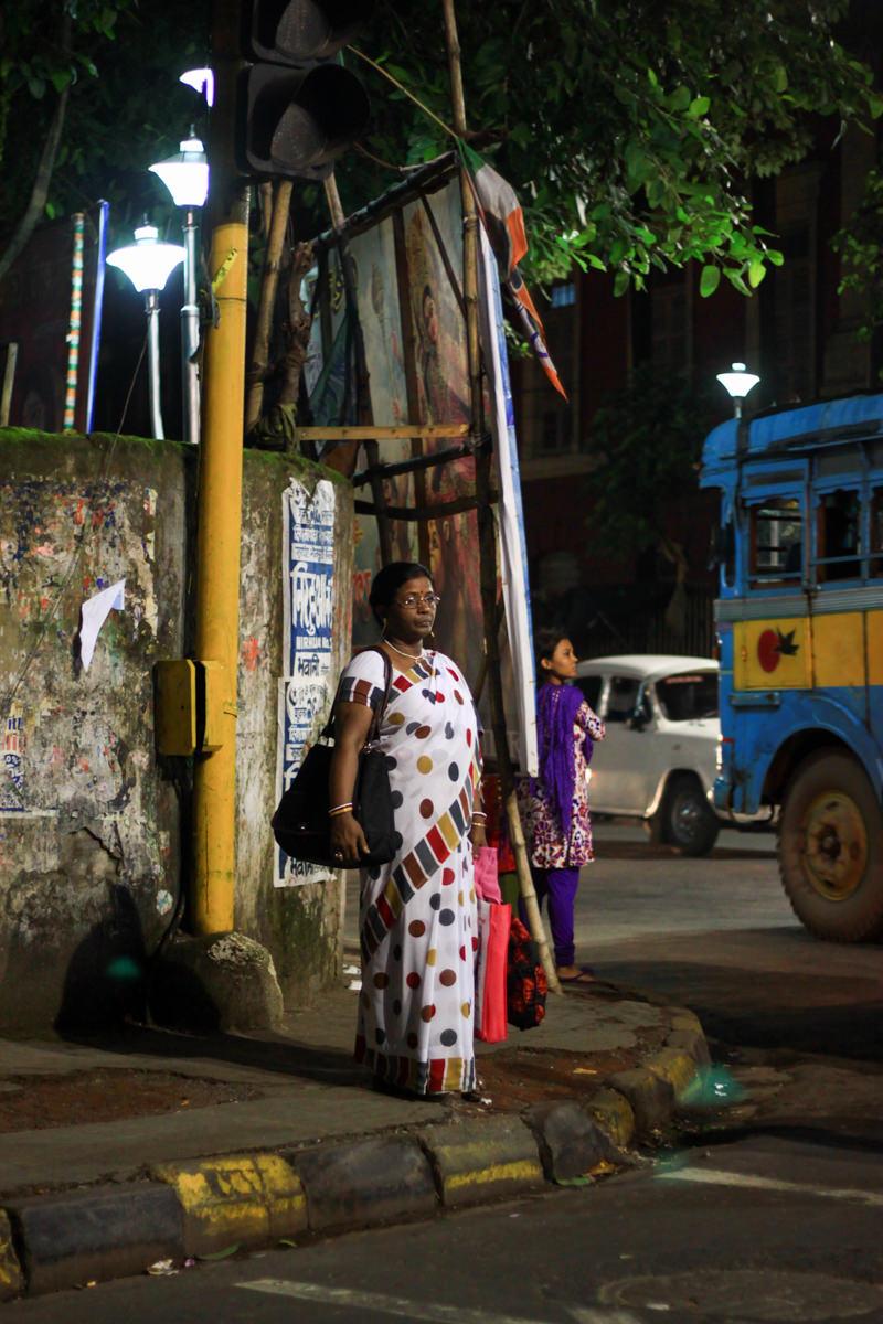 Waiting for a bus, Kolkata, September 2011
