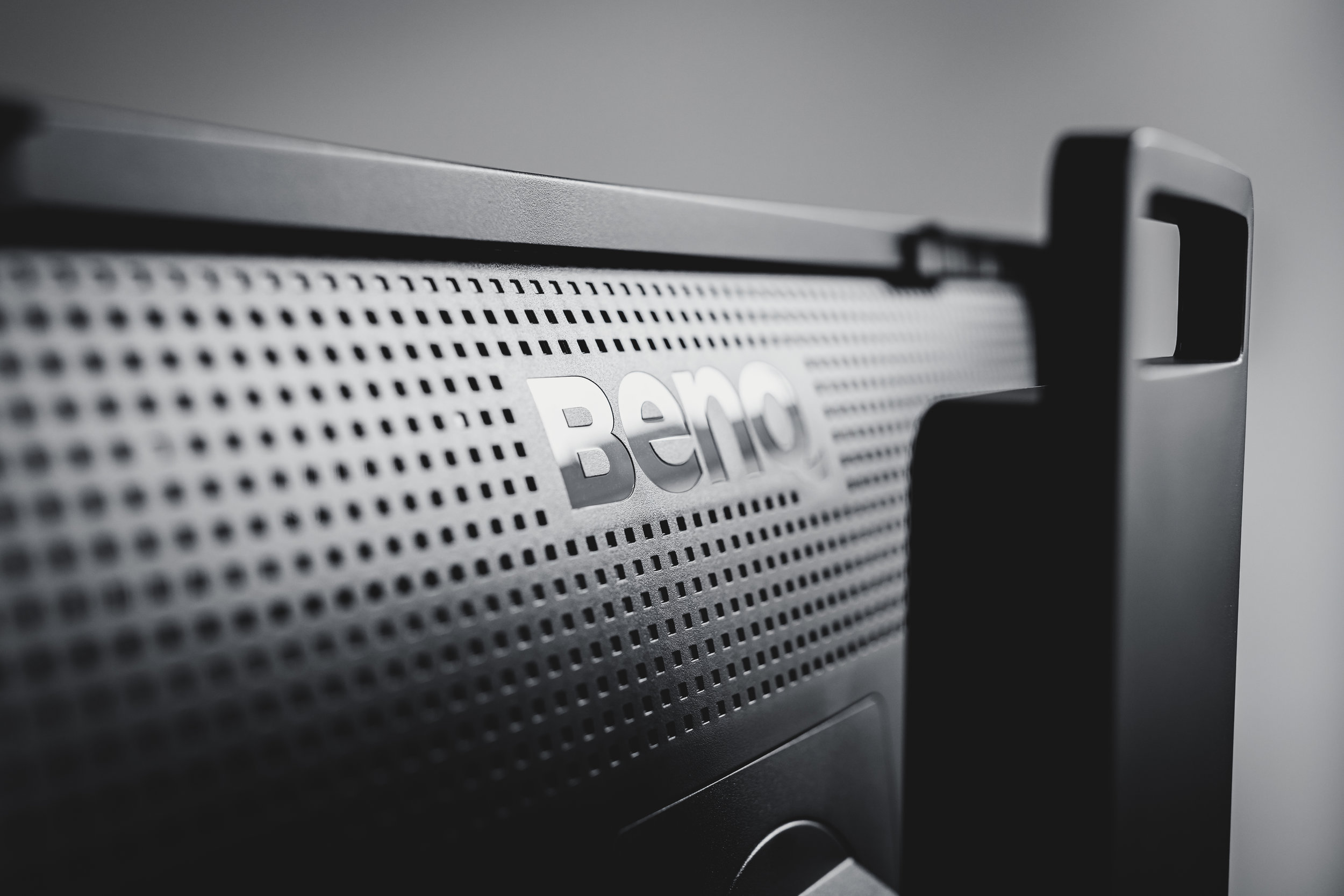 BenQ created the SW271 with passion for detail