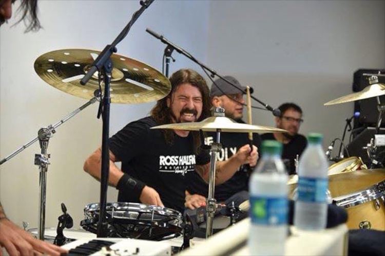 grohl001.jpg