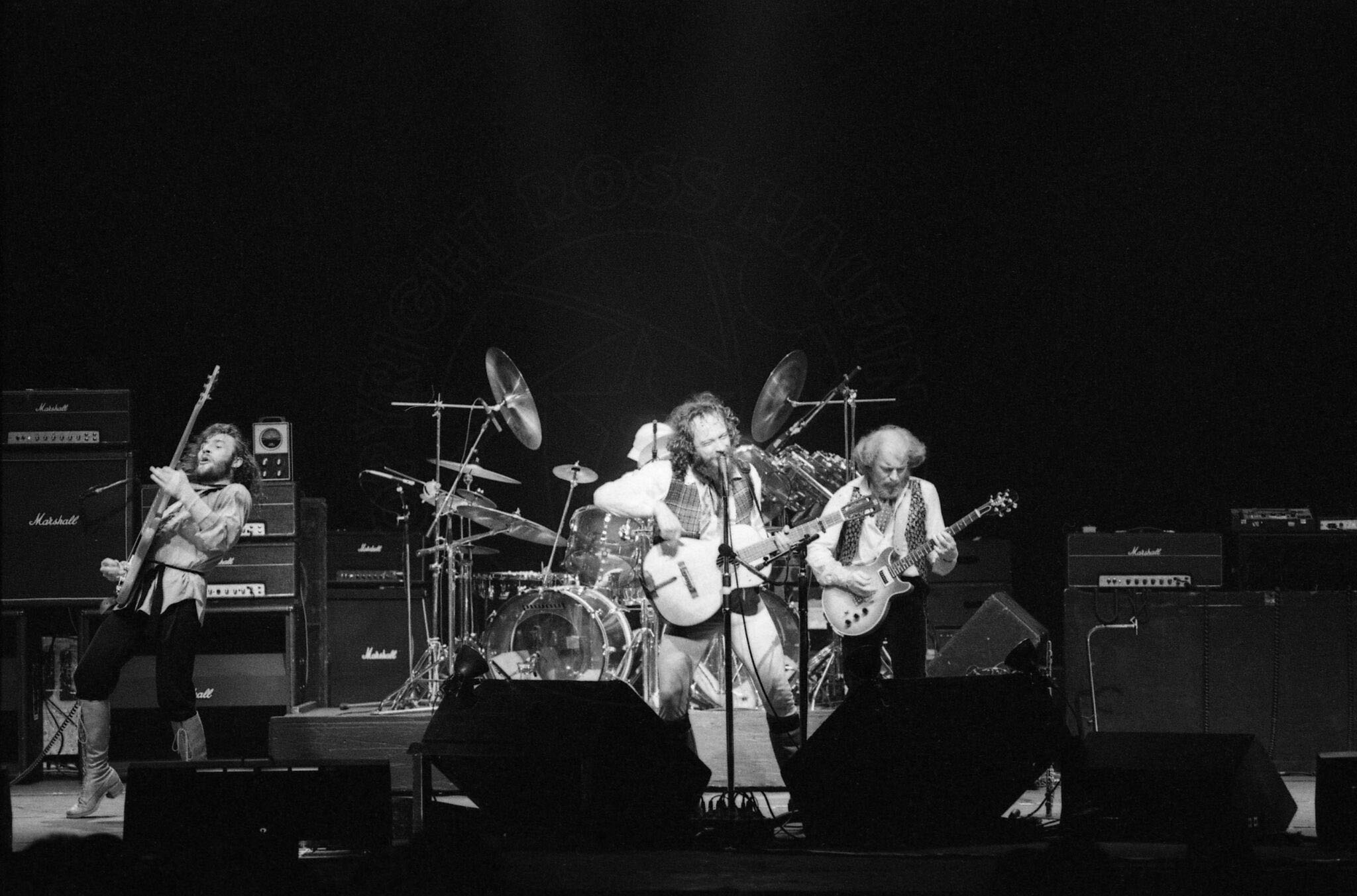 RH-jethrotull-011_preview.jpg