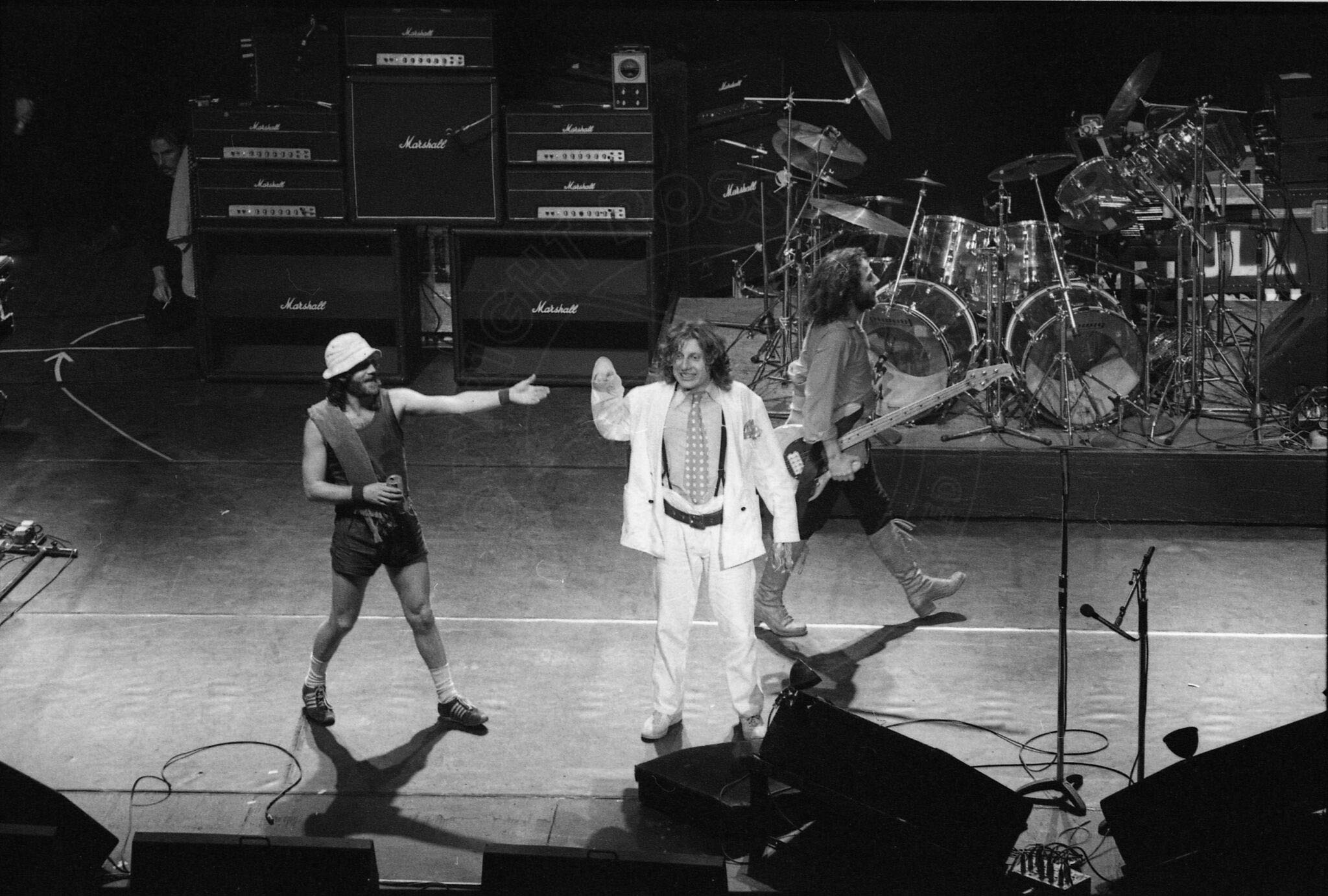 RH-jethrotull-005_preview.jpg