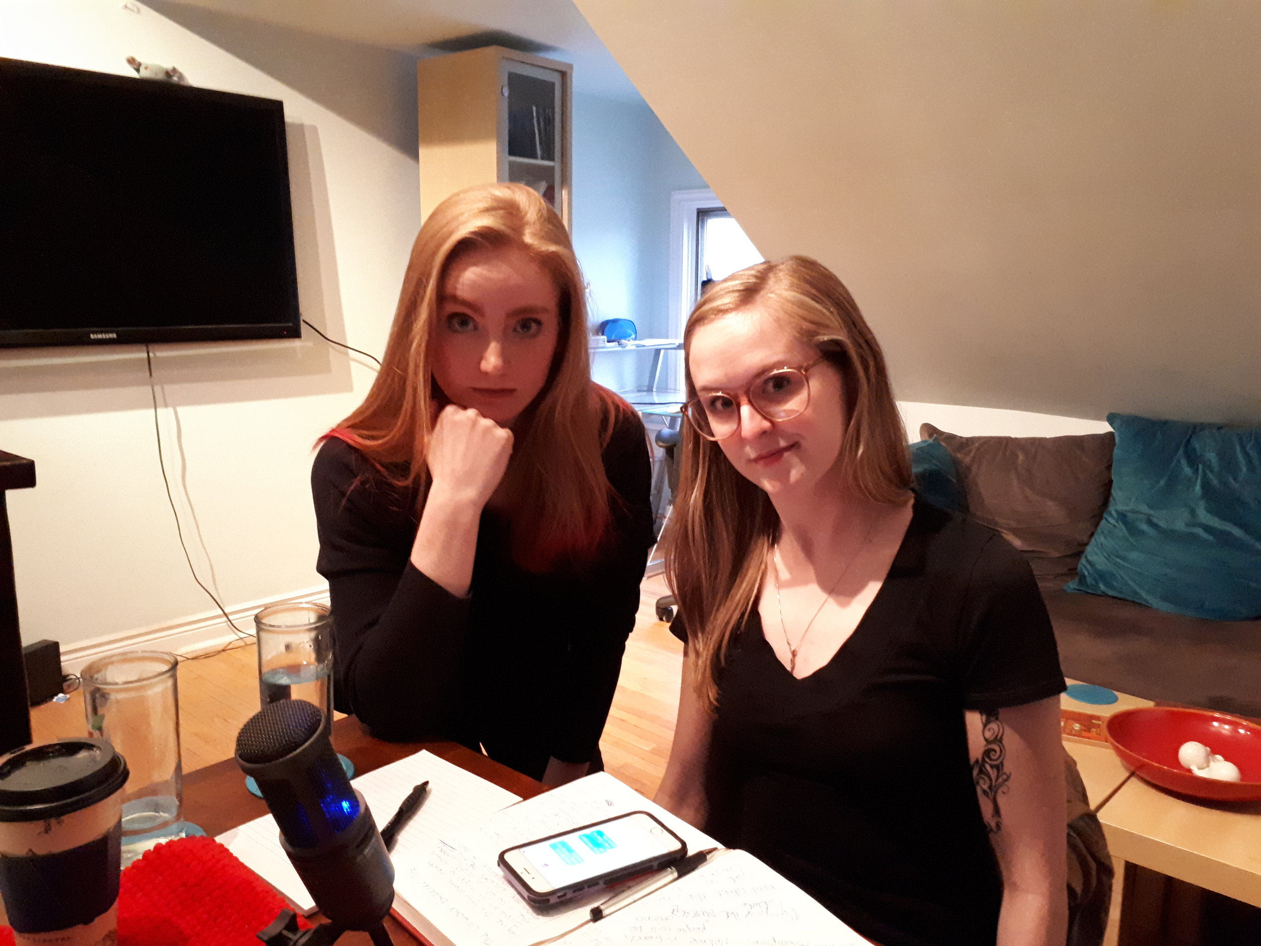 Alison (Left) has a youtube series coming soon called  I'm a Mess.  The only thing Becka (right) has to plug is her butt.