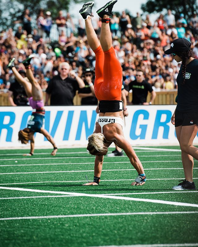 The Crossfit Games start Wednesday and oh mylanta, do I wish I was there again!! Sending luck to all the amazing athletes who will be competing, but especially to my favorite pizza and ice cream-loving Icelander @sarasigmunds - watching her wear the leader jersey was one of my favorite moments of last year's Games, and I know she'll get to wear it again this year!