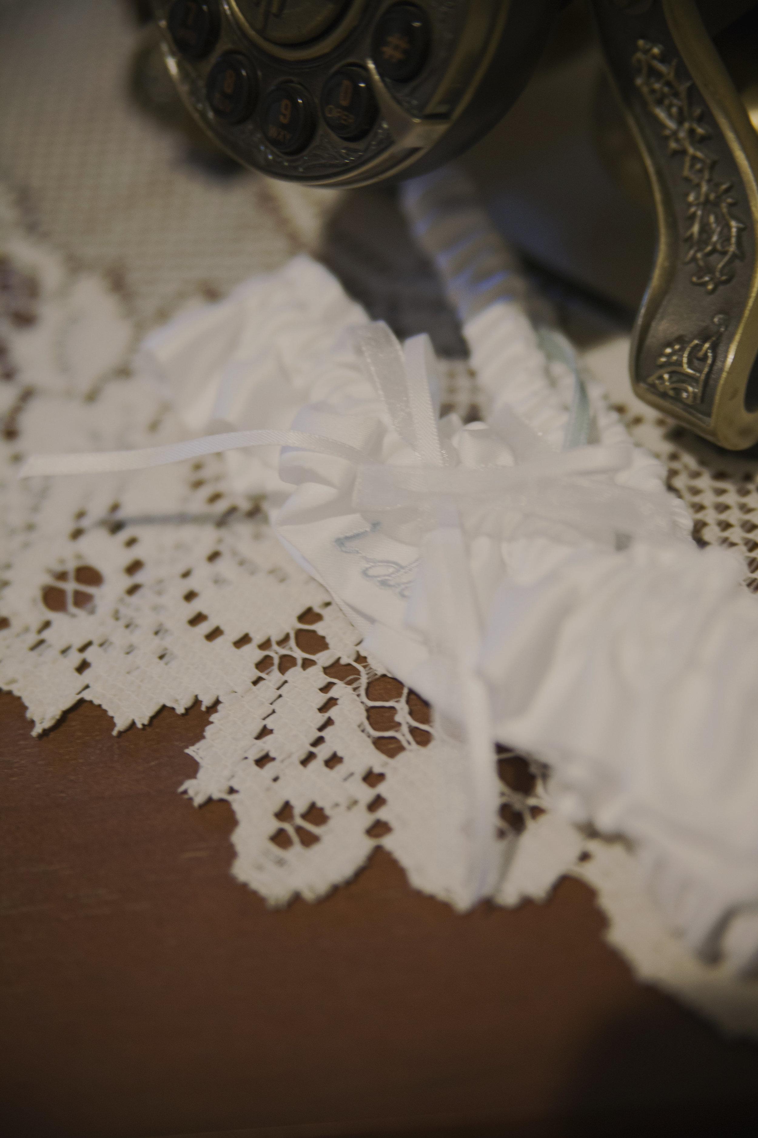 Amy John Wedding-Getting Ready-0028.jpg