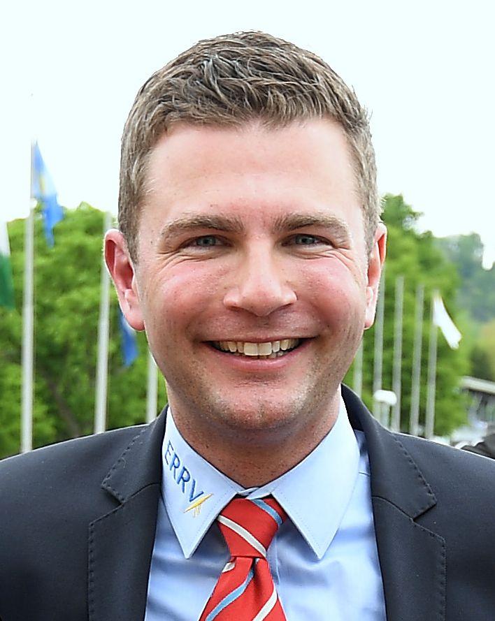 Vorsitzender und Regattaleiter    André Ströttchen (Essen Werdener RC)