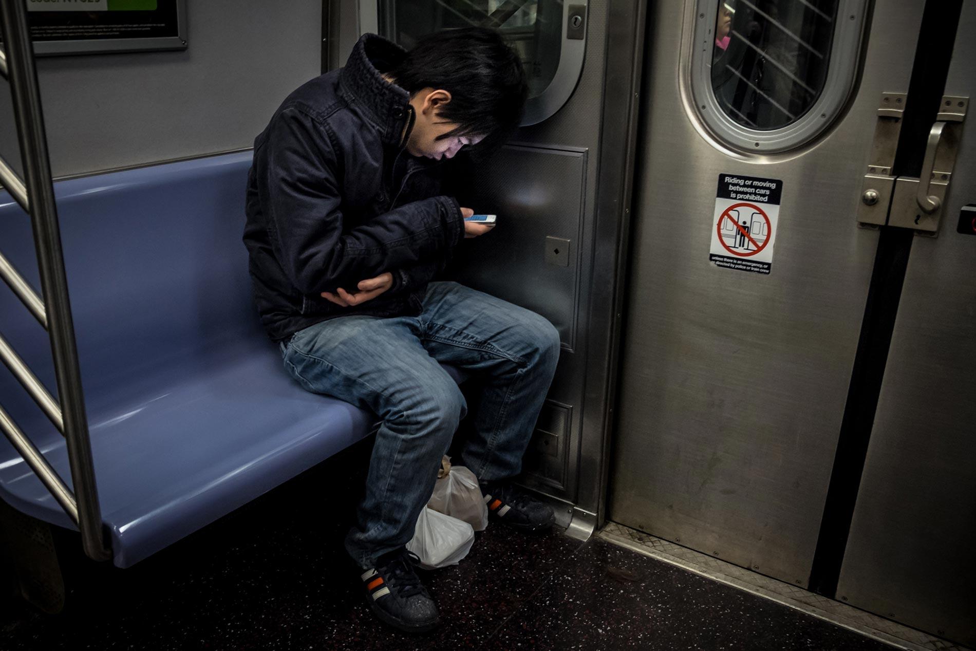Subway texting - New York