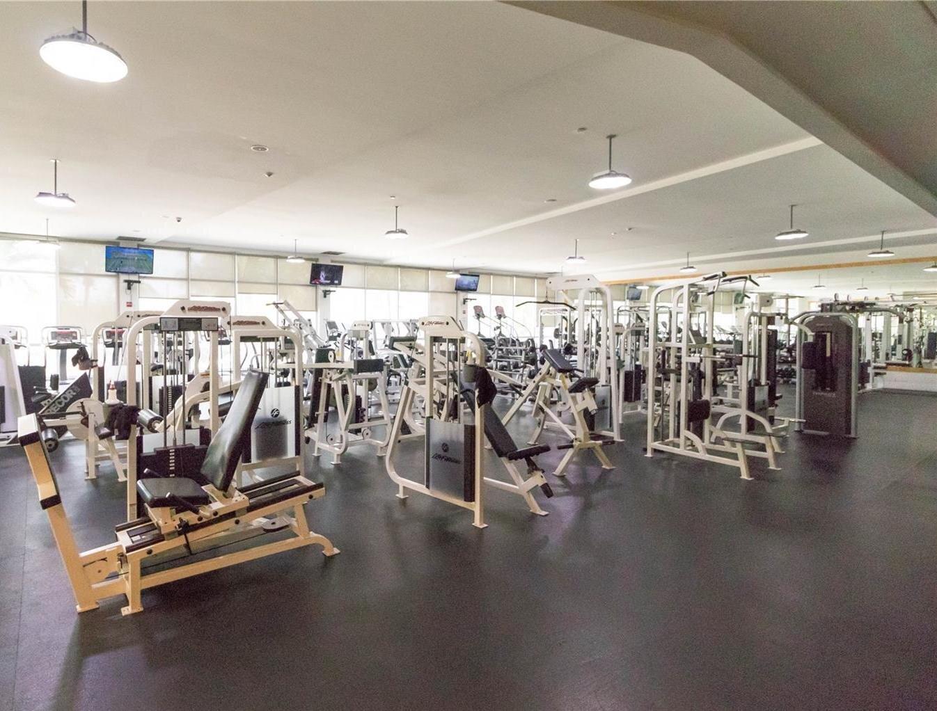 gym-mirador-1000_lipstickandchicspaces.com.jpg