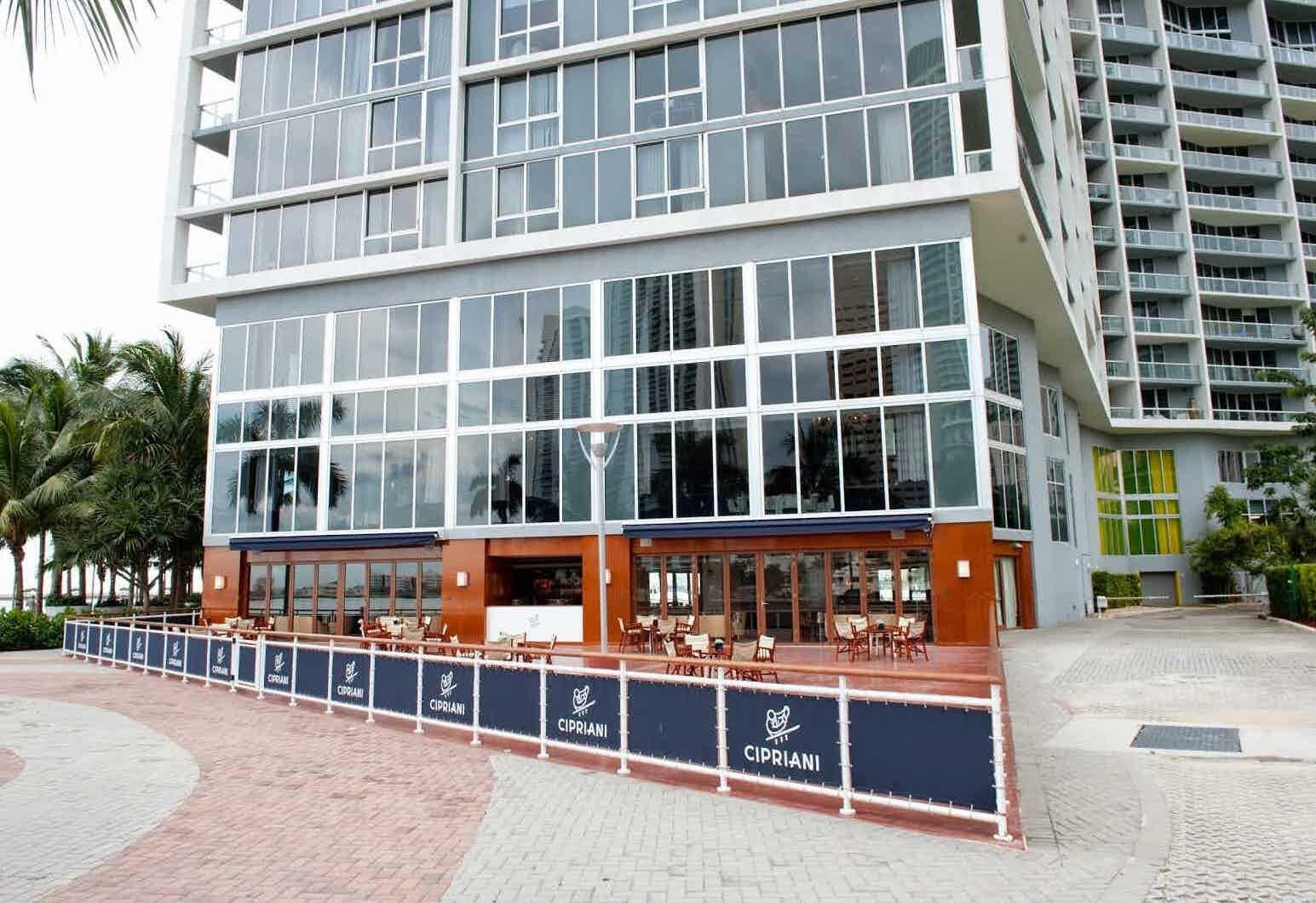 eatery-cipriani-icon-brickell_lipstickandchicspaces.com.jpg