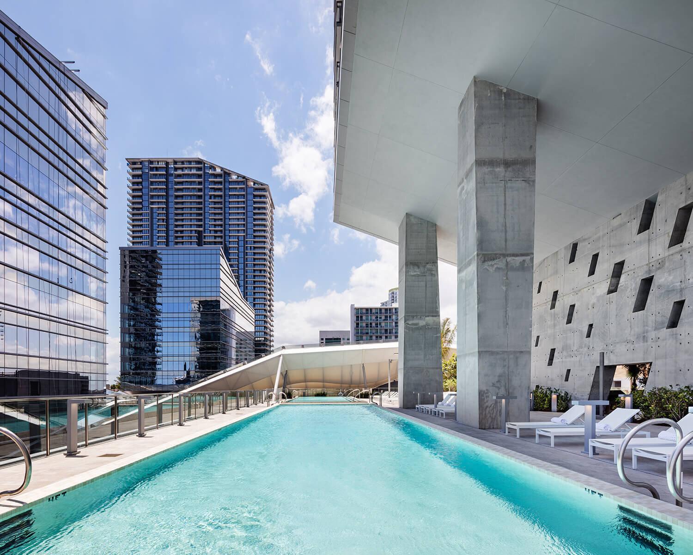 pool-reach-rise-brickell-city-centre_lipstickandchicspaces.com.jpg