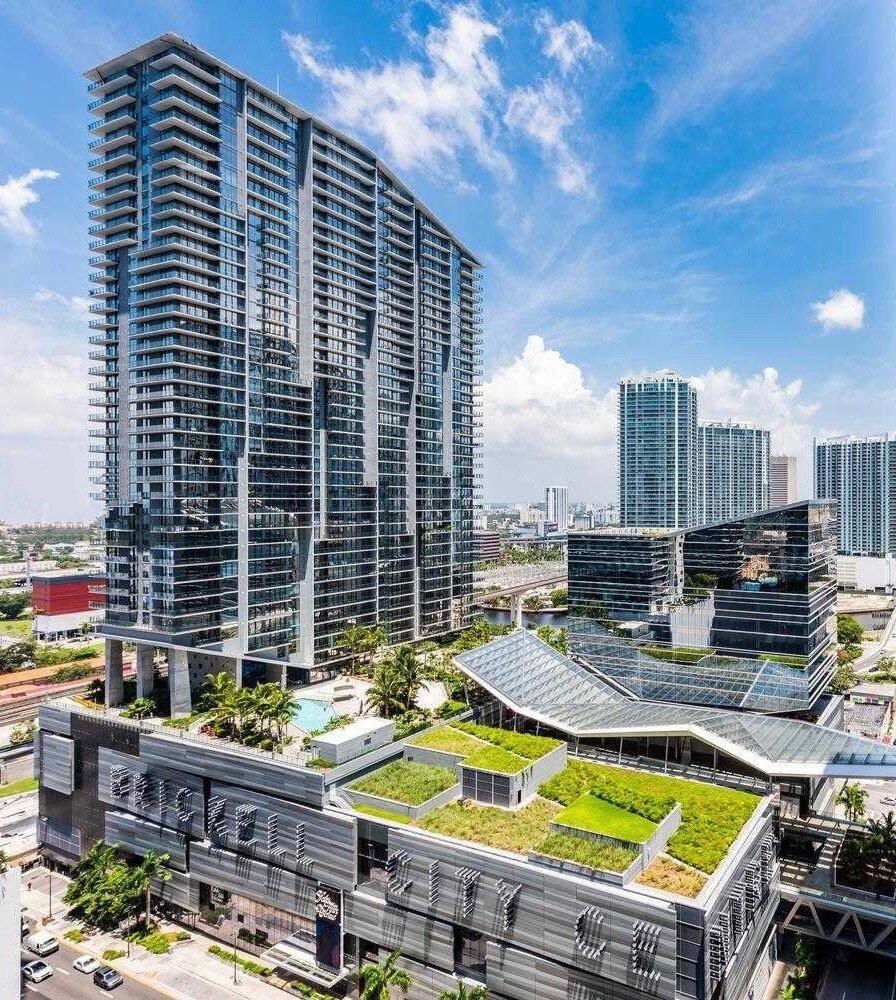 architecture-reach-rise-brickell-city-centre_lipstickandchicspaces.com.jpg