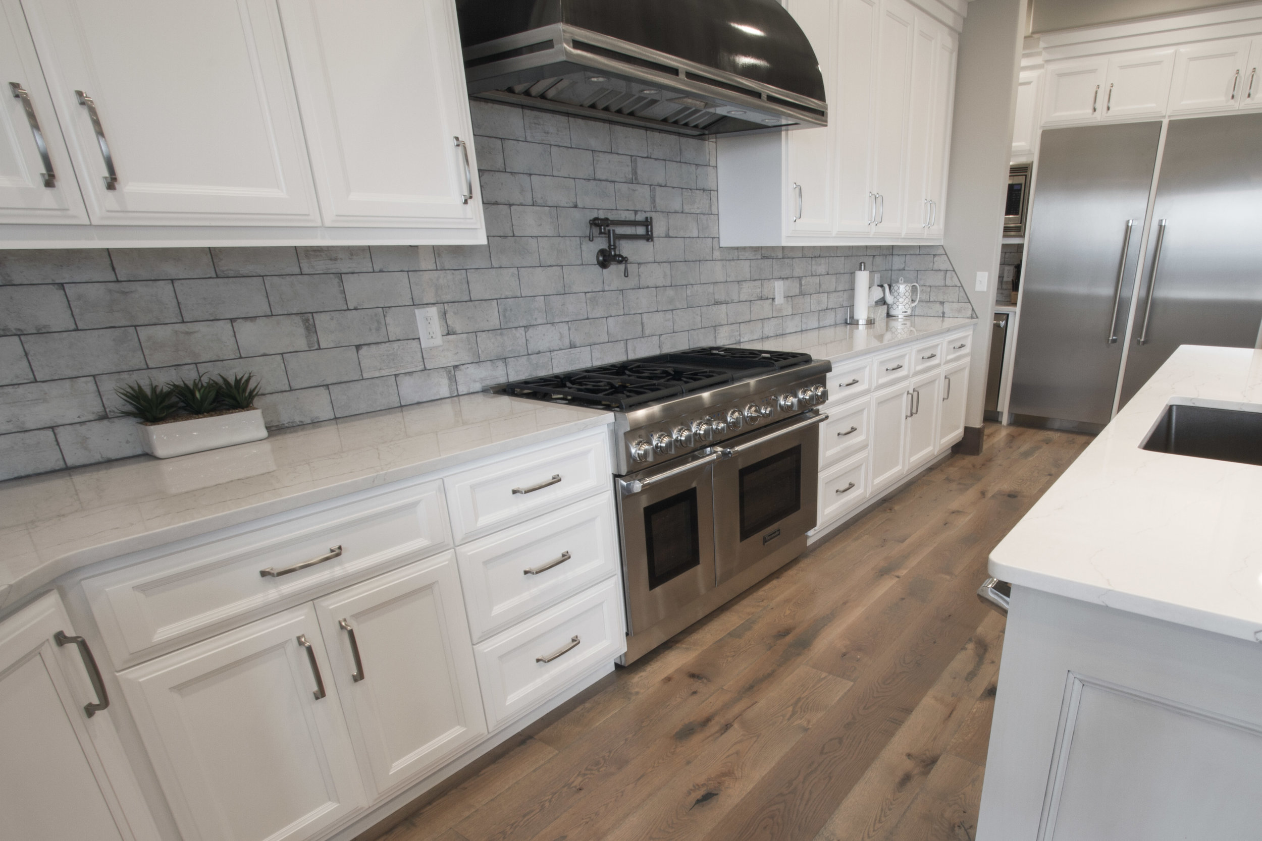 merrill_oak_floor_kitchen_2.jpg